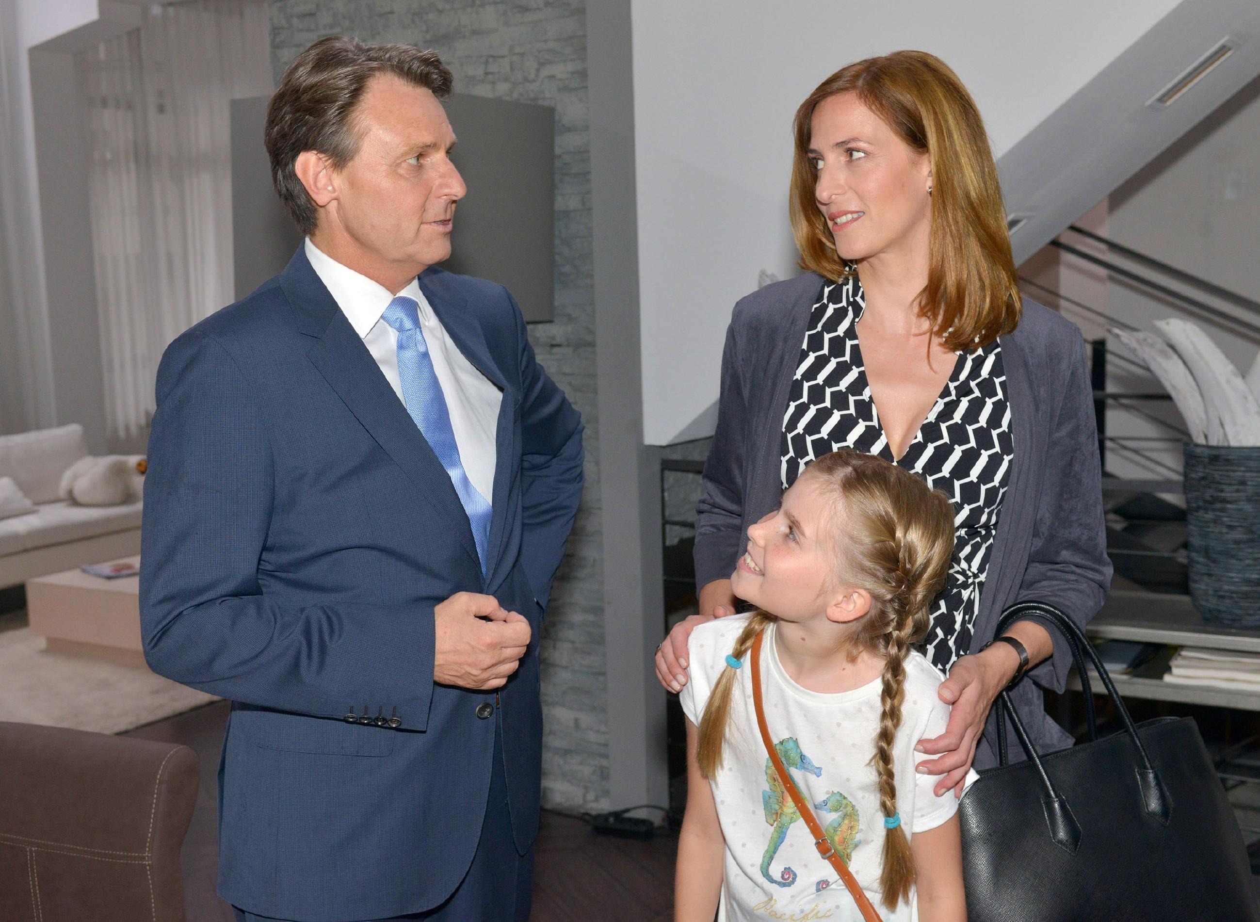 Wird sich Katrin (Ulrike Frank, r.) doch noch auf eine geschäftliche Partnerschaft mit Gerner (Wolfgang Bahro) einlassen? (Quelle: © RTL / Rolf Baumgartner)