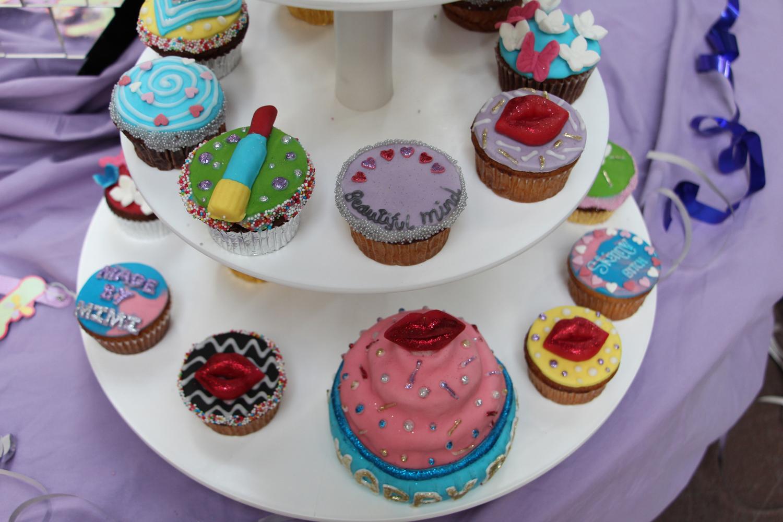 Unter-Uns-Mimi-Fiedler-40-Geburtstag-kuchen