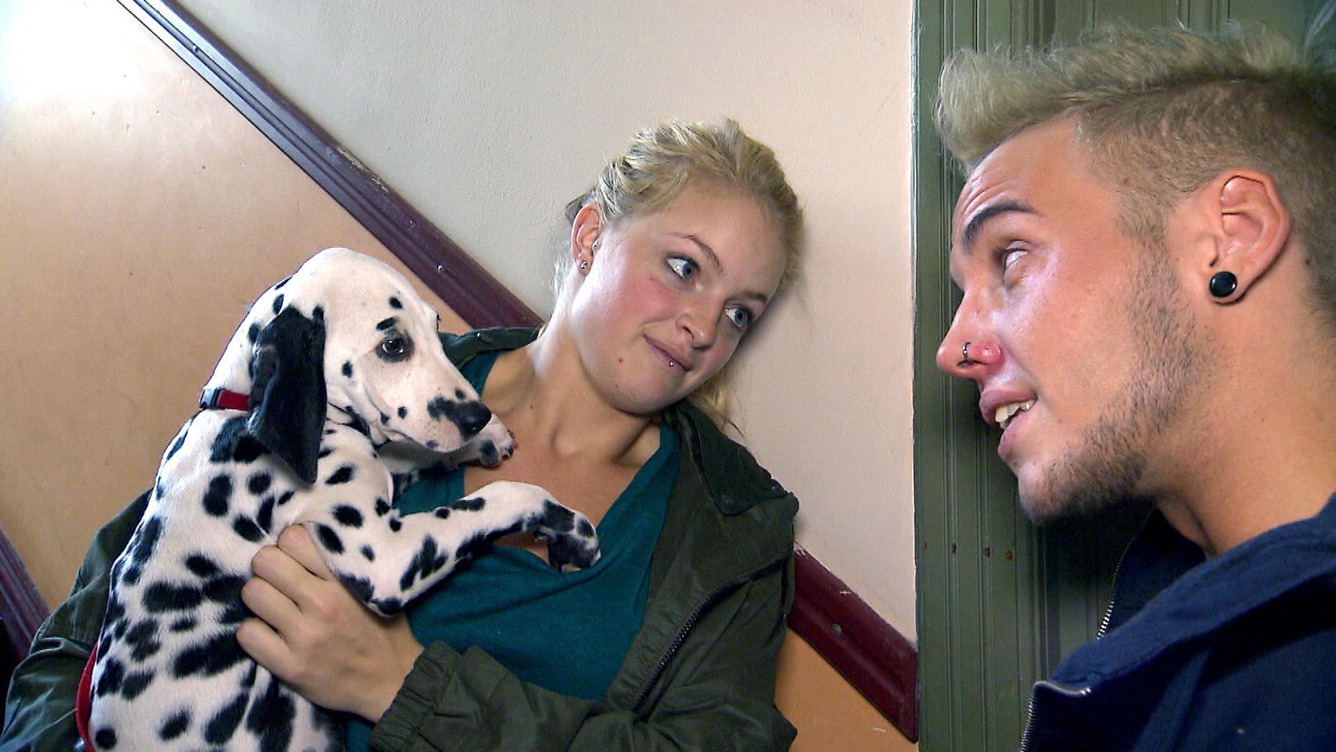 Miri und Timo mit Hund (Quelle: RTL 2)