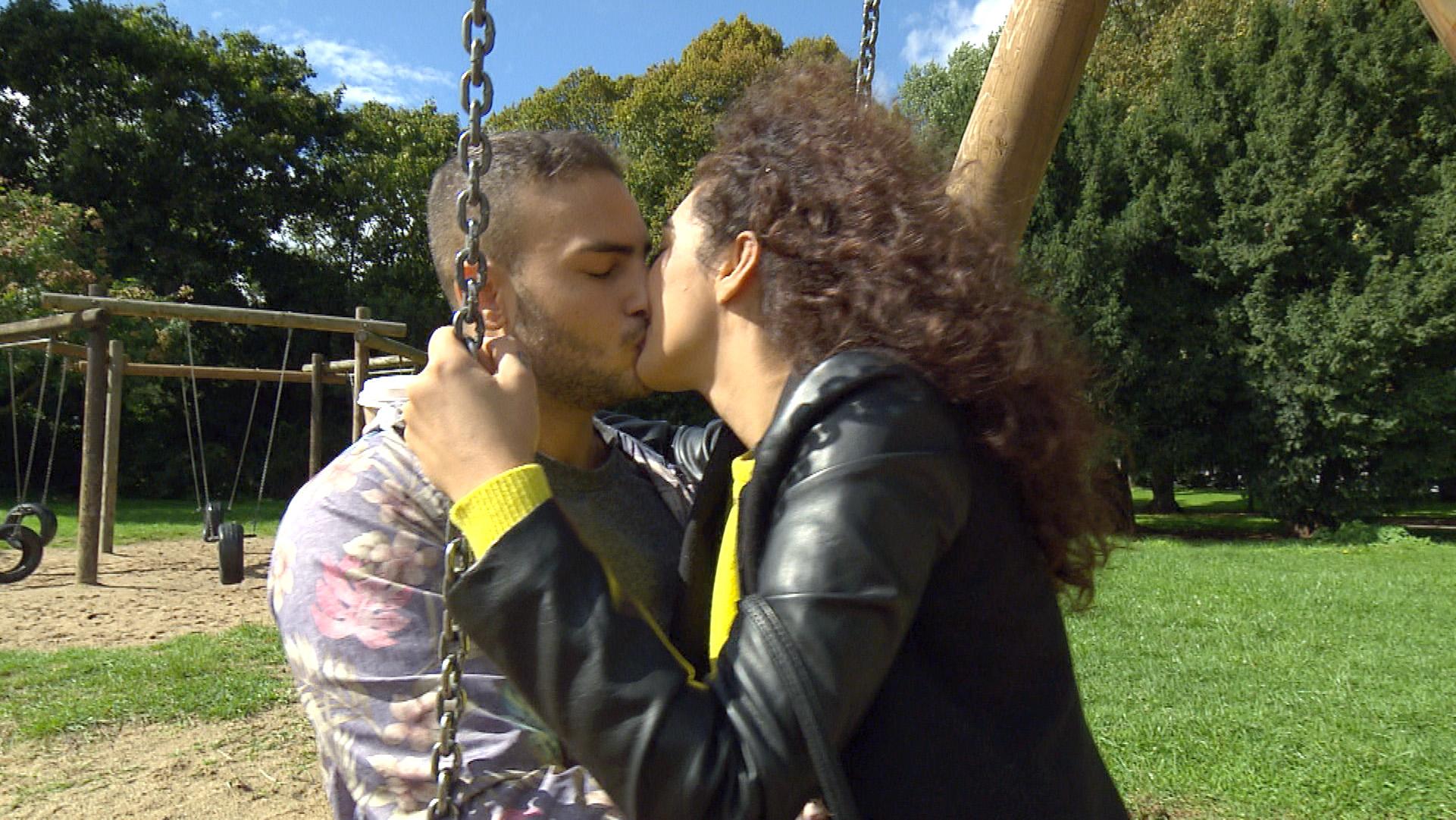 Joleen ist total verliebt in Cem (Quelle: RTL 2)