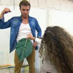 Laura organisiert für Felix (Foto) einen Job als Model in einem Zeichenkurs.. (Quelle: RTL 2)