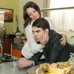 Auf den Verlust von Emma zurückgeworfen, kann Veit (Carsten Clemens) Jennys (Kaja Schmidt-Tychsen) Nähe nicht ertragen... (Quelle: RTL / Kai Schulz)