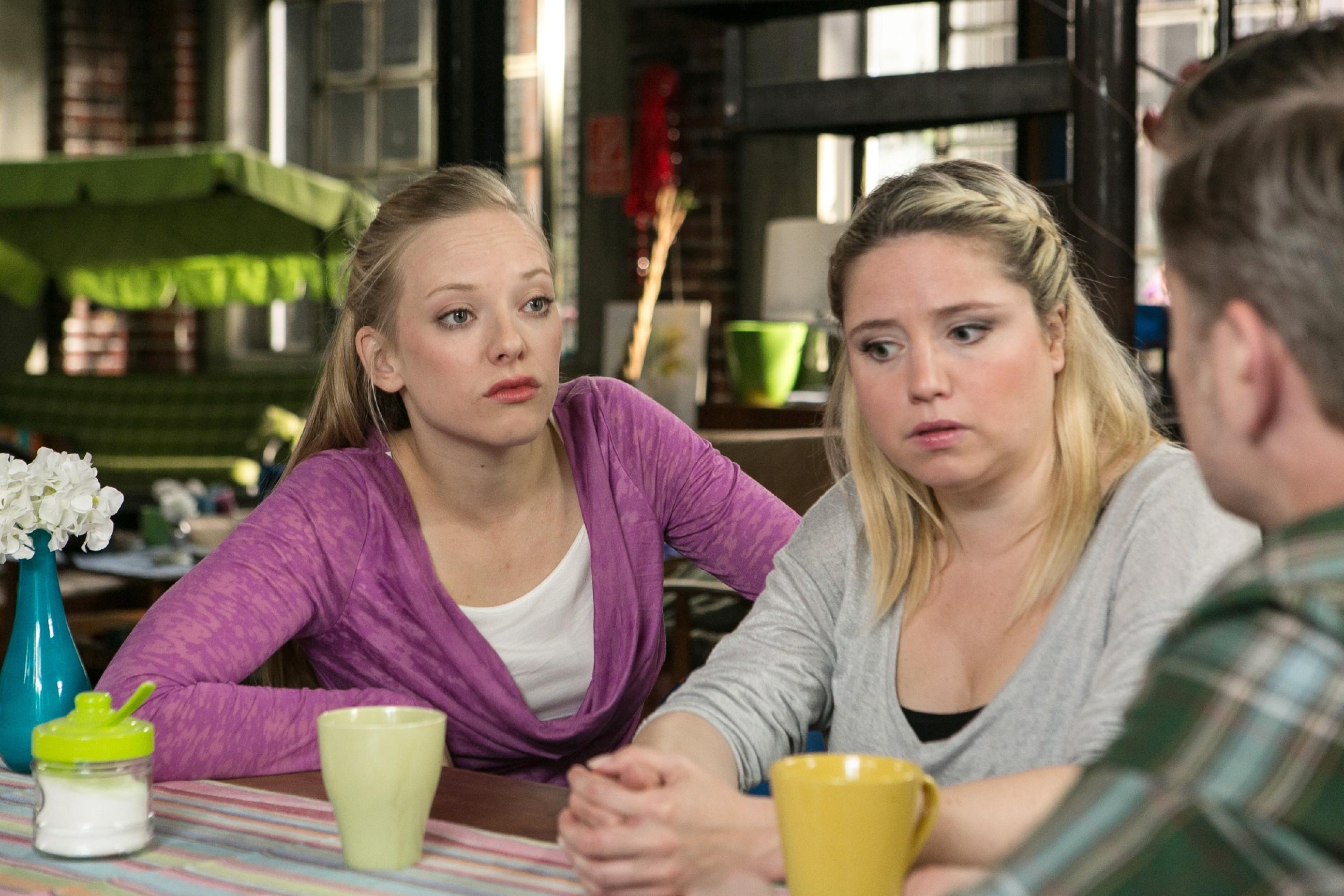 Marie (Judith Neumann, l.) macht Ingo (André Dietz) im Beisein von Bea (Caroline Maria Frier) klar, dass sie seinen Erpressungsversuch für den falschen Weg hält. (Quelle: RTL / Kai Schulz)