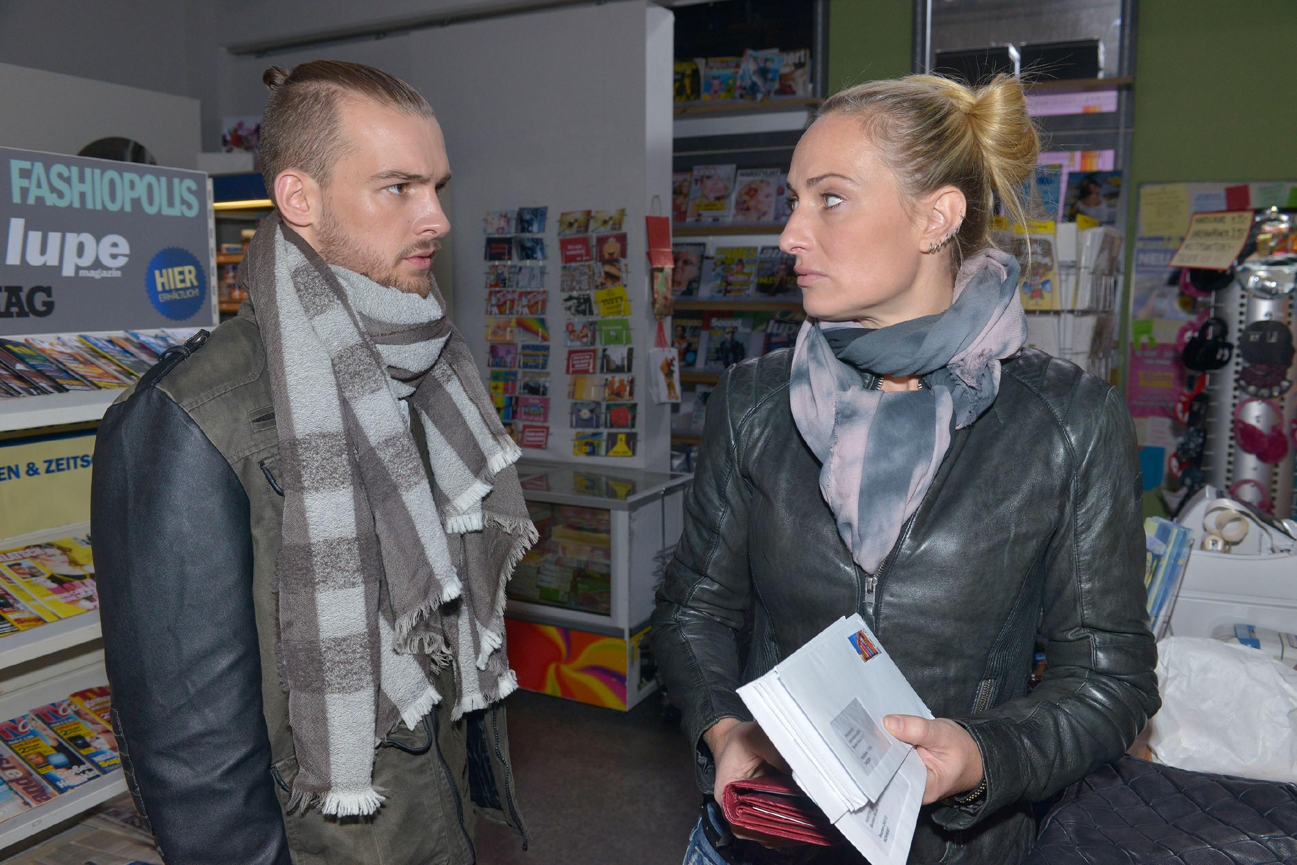 Maren (Eva Mona Rodekirchen) will auf Chris' (Eric Stehfest) Hilfe bei der Suche nach Amar verzichten. (Quelle: RTL / Rolf Baumgartner)