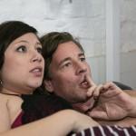 Vanessa (Julia Augustin) und Christoph (Lars Korten) drohen, in ihrem intimen Moment im Beichtstuhl ertappt zu werden... (Quelle: RTL / Kai Schulz)