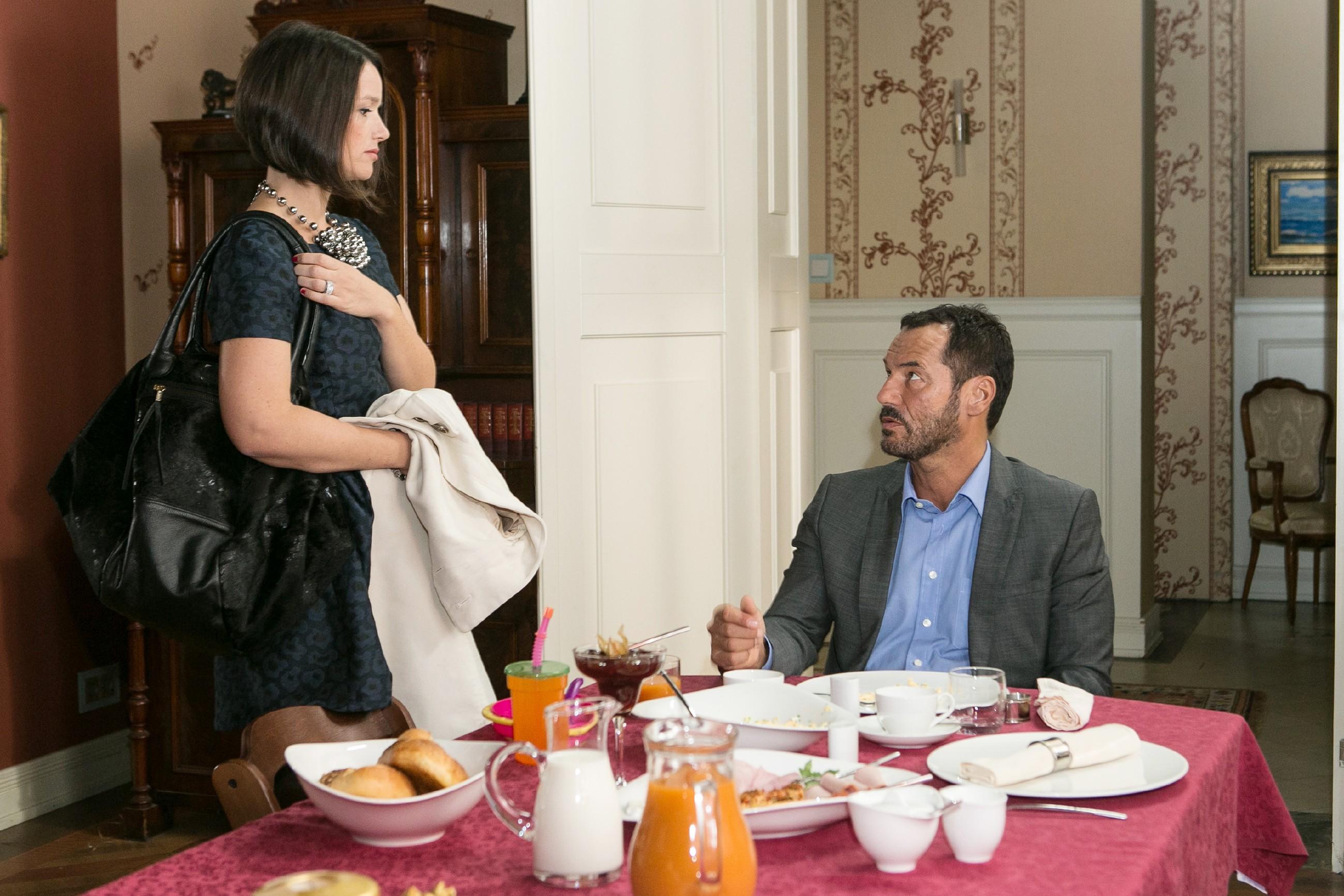 Jenny (Kaja Schmidt-Tychsen) und Richard (Silvan-Pierre Leirich) ahnen nicht, dass Vanessa in akuter Lebensgefahr schwebt. (Quelle: RTL / Kai Schulz)