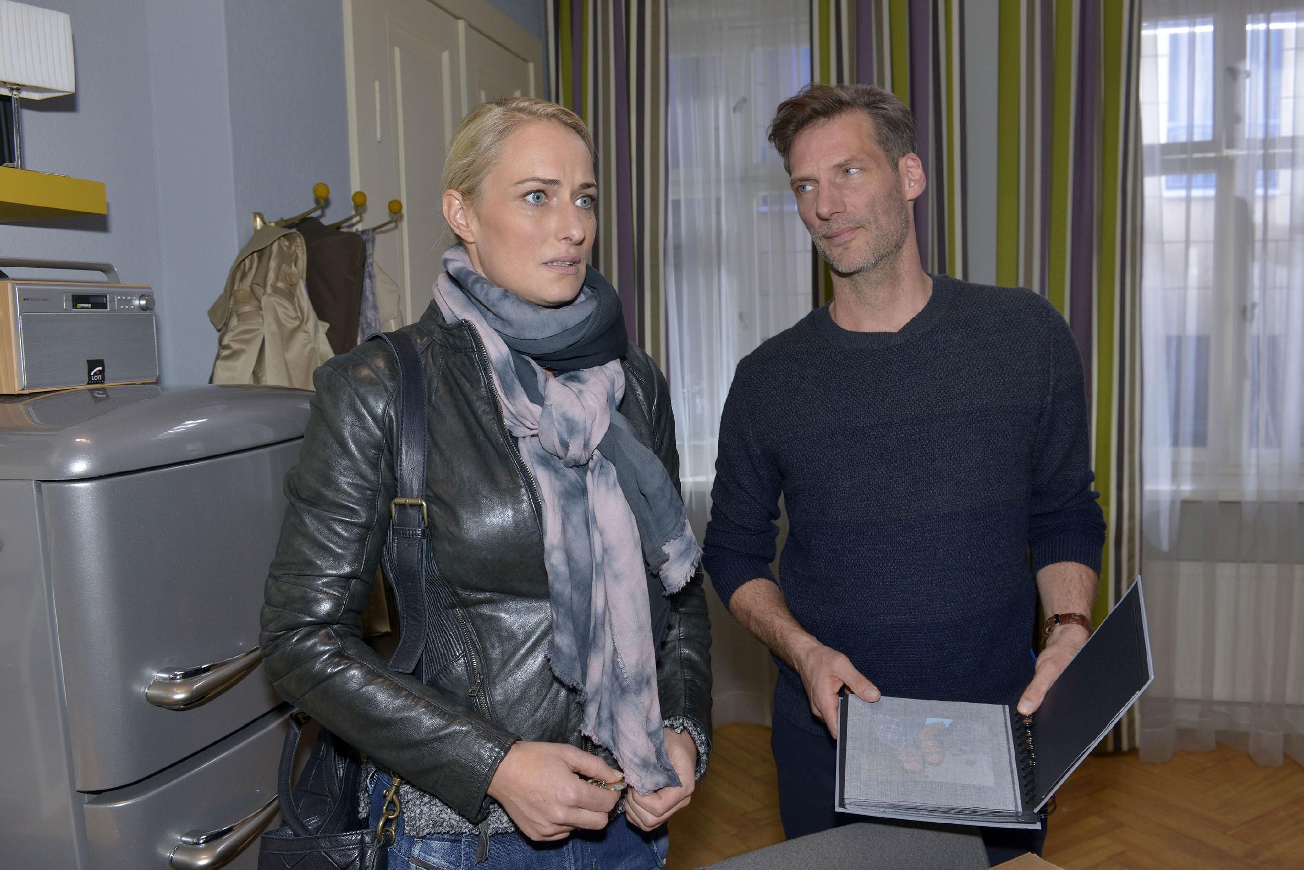 Alexander (Clemens Löhr) hat nach Marens (Eva Mona Rodekirchen) Abfuhr ein Jobangebot in LA angenommen, um woanders neu durchzustarten. Nun wird ihr plötzlich klar, dass Alexander dabei ist, für immer aus ihrem Leben zu verschwinden... (Quelle: RTL / Rolf Baumgartner)