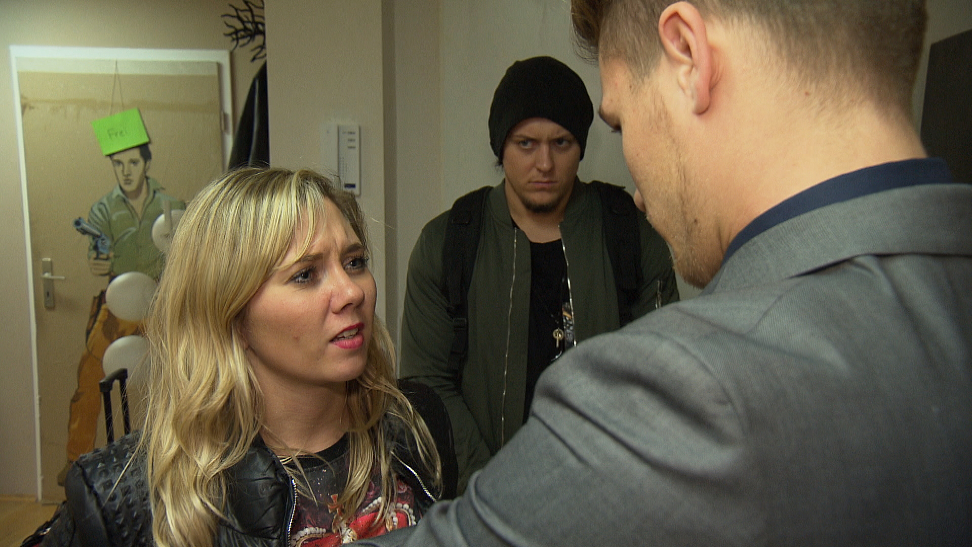 Valentin ist angestachelt, als Chantal und Kevin sich weigern, aus der WG zu ziehen. (Quelle: RTL 2)