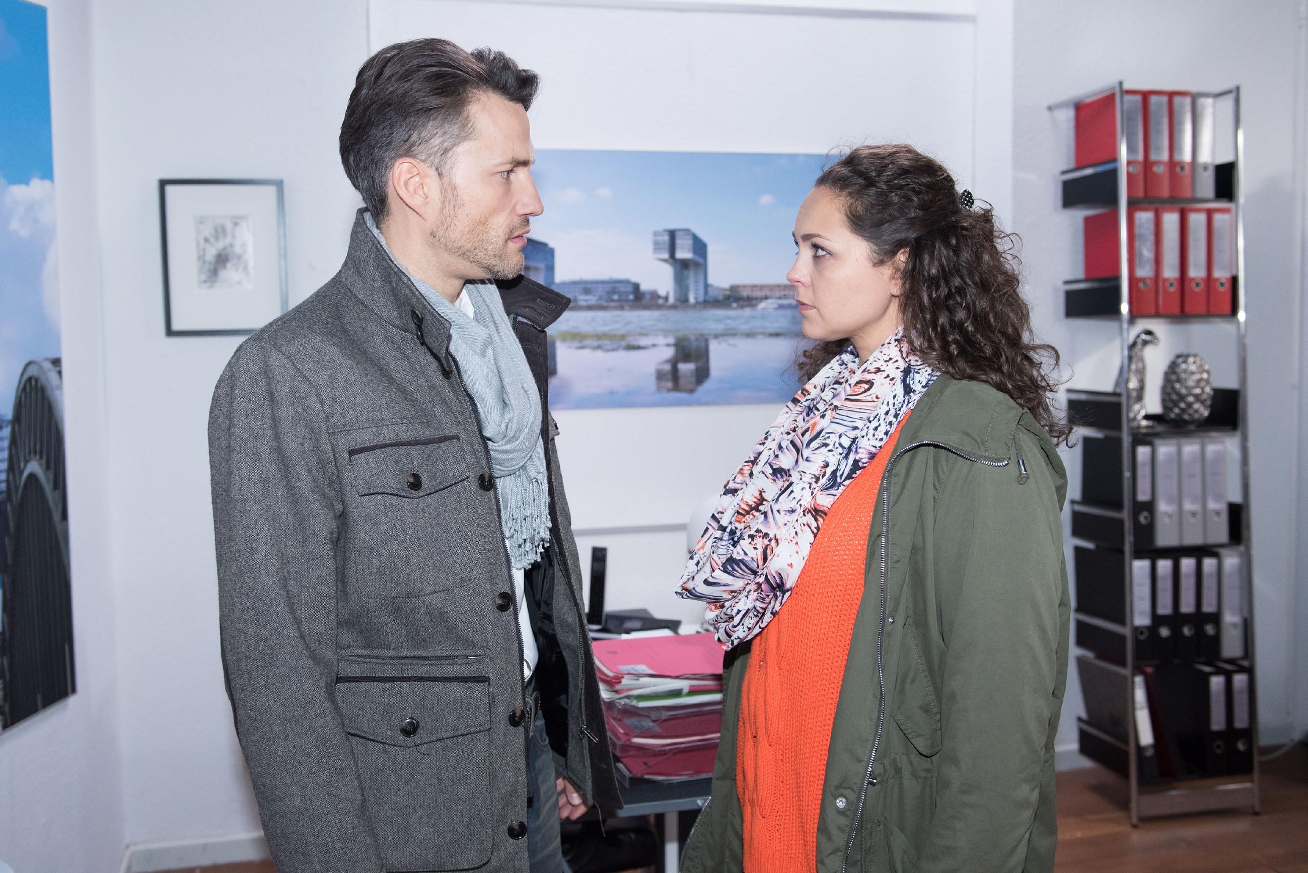 Caro (Ines Kurenbach) stellt Malte (Stefan Bockelmann) vor die Wahl: Entweder vertraut er ihr oder es ist aus. Wird Malte die richtige Wahl treffen? (Foto: RTL / Stefan Behrens)