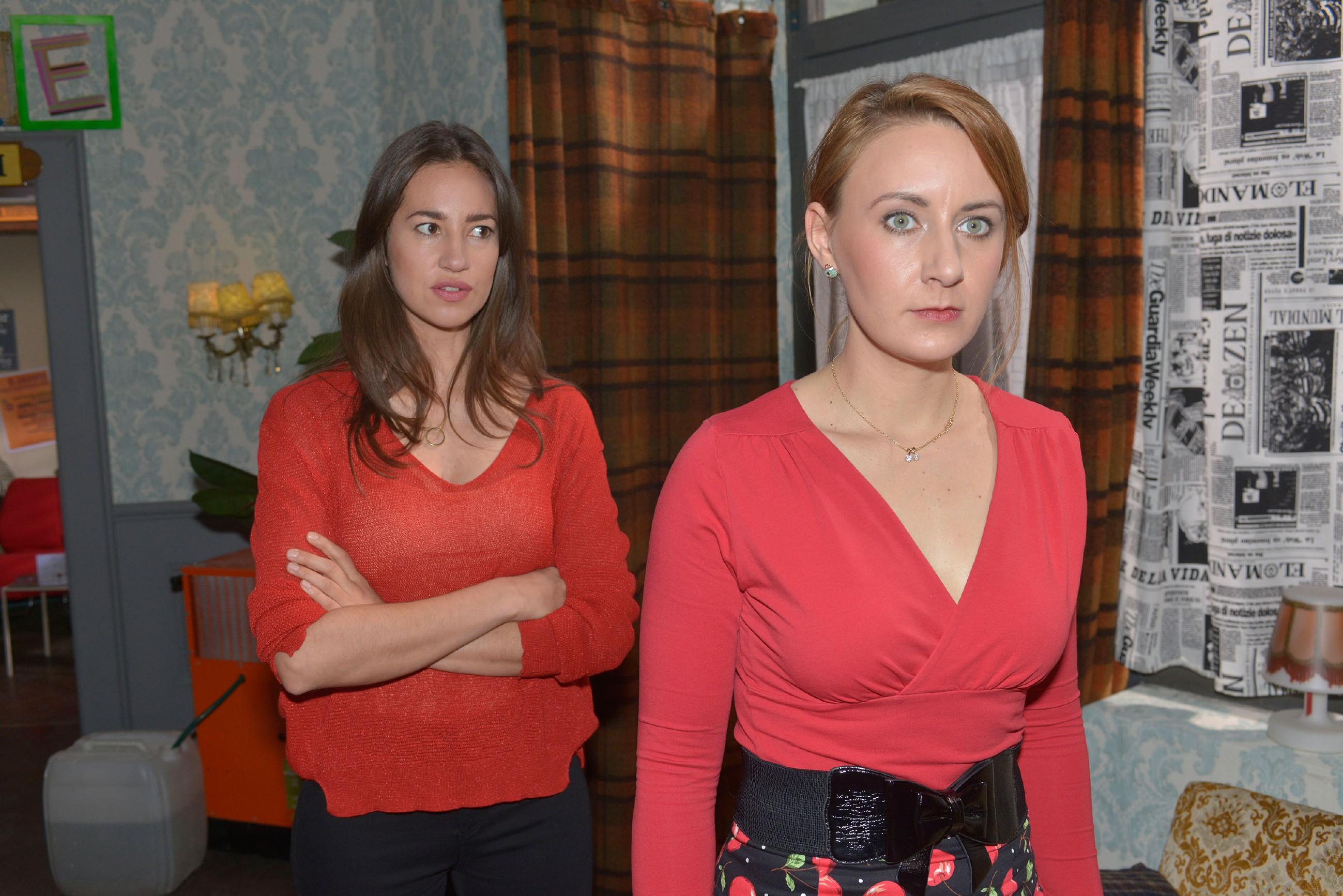Elena (Elena Garcia Gerlach, l.) konfrontiert Lotta (Luise Schubert) mit ihrem Verdacht und fordert sie auf, Tuner die Wahrheit zu sagen... (RTL / Rolf Baumgartner)