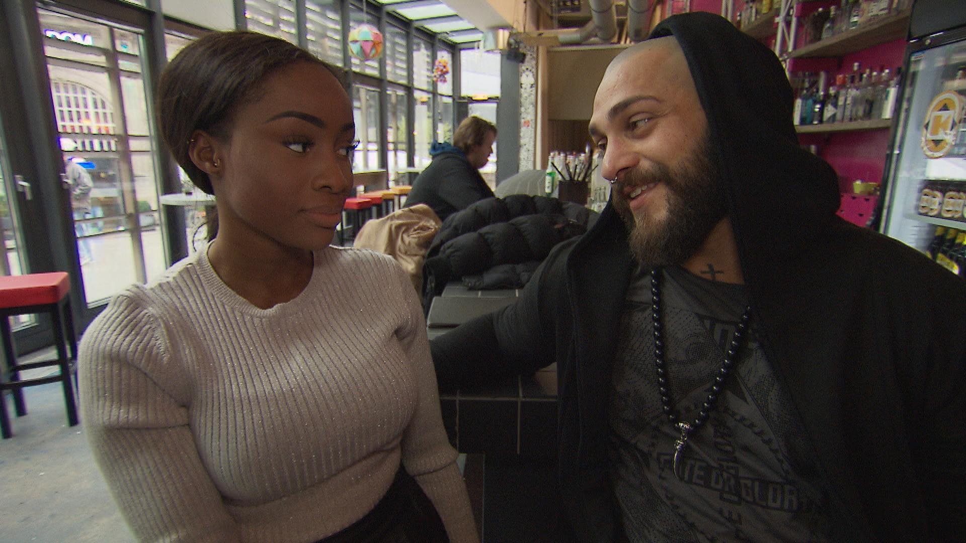 Michelles Ego ist angeknackst, weil Bruno immer noch nicht auf ihr Unterwäschebild reagiert hat. Sie will Bruno aber nicht kampflos aufgeben und ist entschlossen, ihn heißzumachen, um ihn dann gleich wieder fallen zu lassen. (Quelle: RTL 2)