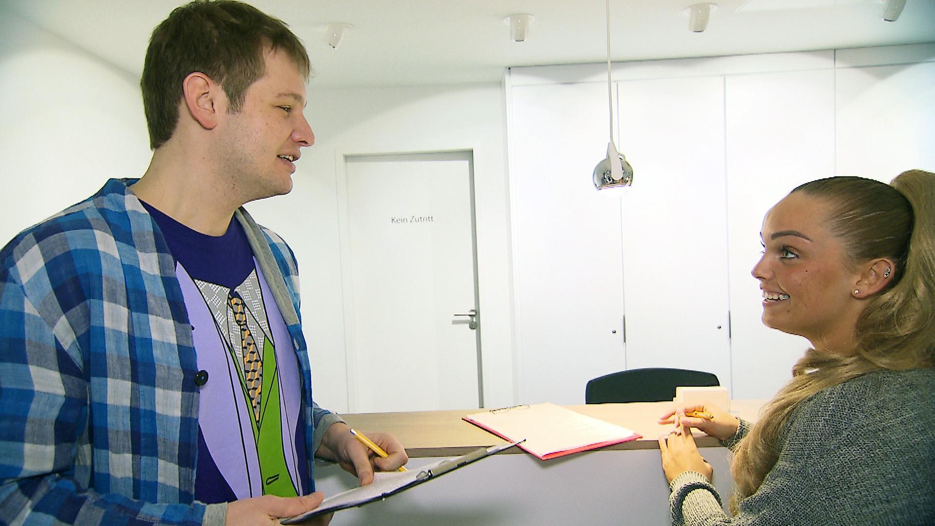 Ole schafft es tatsächlich, ein Date mit Natalie zu ergattern... (Quelle: RTL 2)