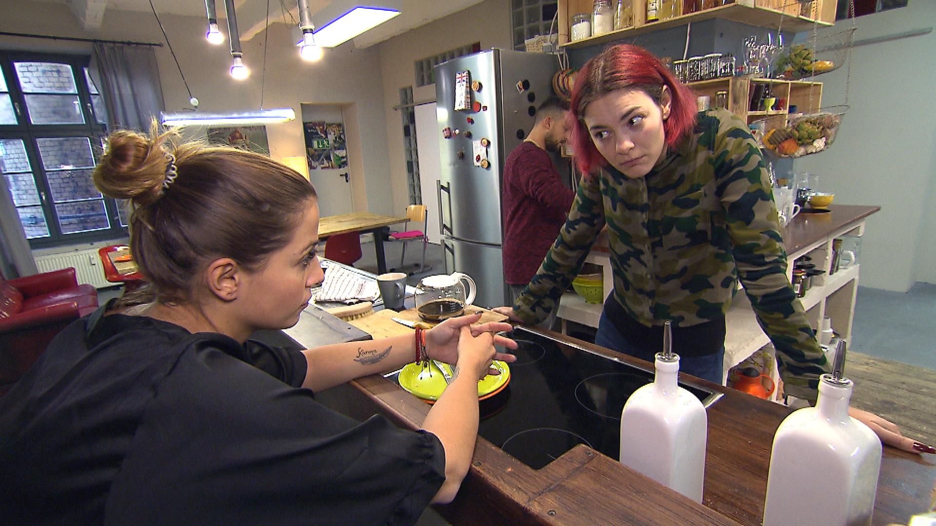 Alessia (li.) und Jessica (re.) (Quelle: RTL 2)