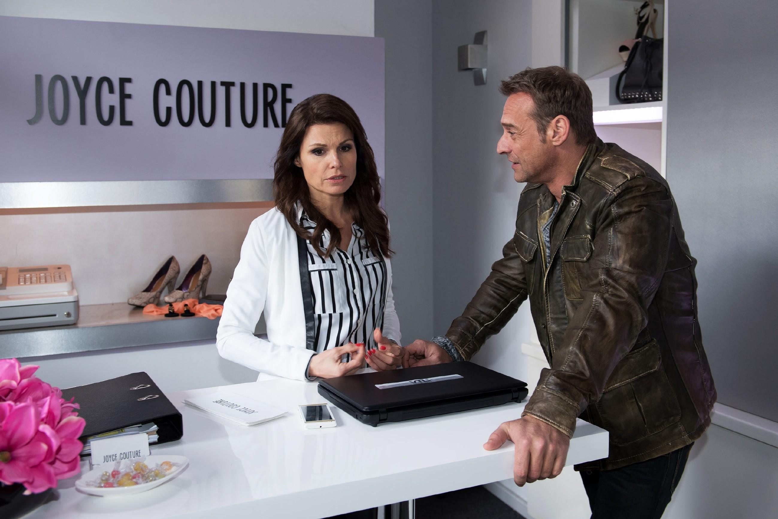 Rufus (Kai Noll) nimmt Britta (Tabea Heynig) den Druck und spricht sie davon frei, nur wegen seines Fehlers den Führerschein machen zu müssen. Und nichts anderes musste Britta hören... (Quelle: RTL / Stefan Behrens)