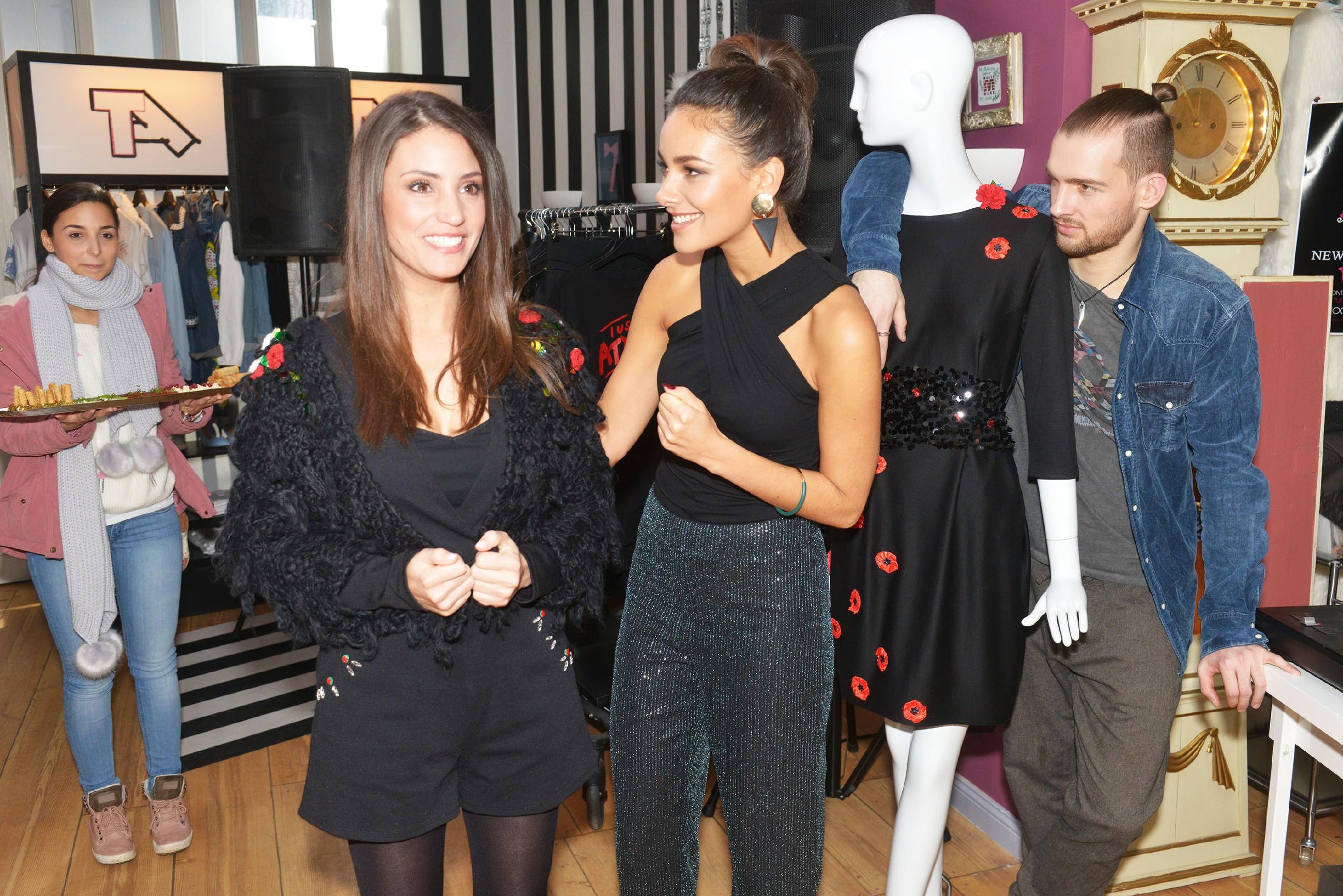 Jasmin (Janina Uhse, M.) hofft, dass ihr Verkaufs-Event mit der Unterstützung von Selma (Rona Özkan, l.), Ayla (Nadine Menz) und Chris (Eric Stehfest) und trotz Vince' Absage den gewünschten Erfolg erzielt. (Quelle: RTL / Rolf Baumgartner)