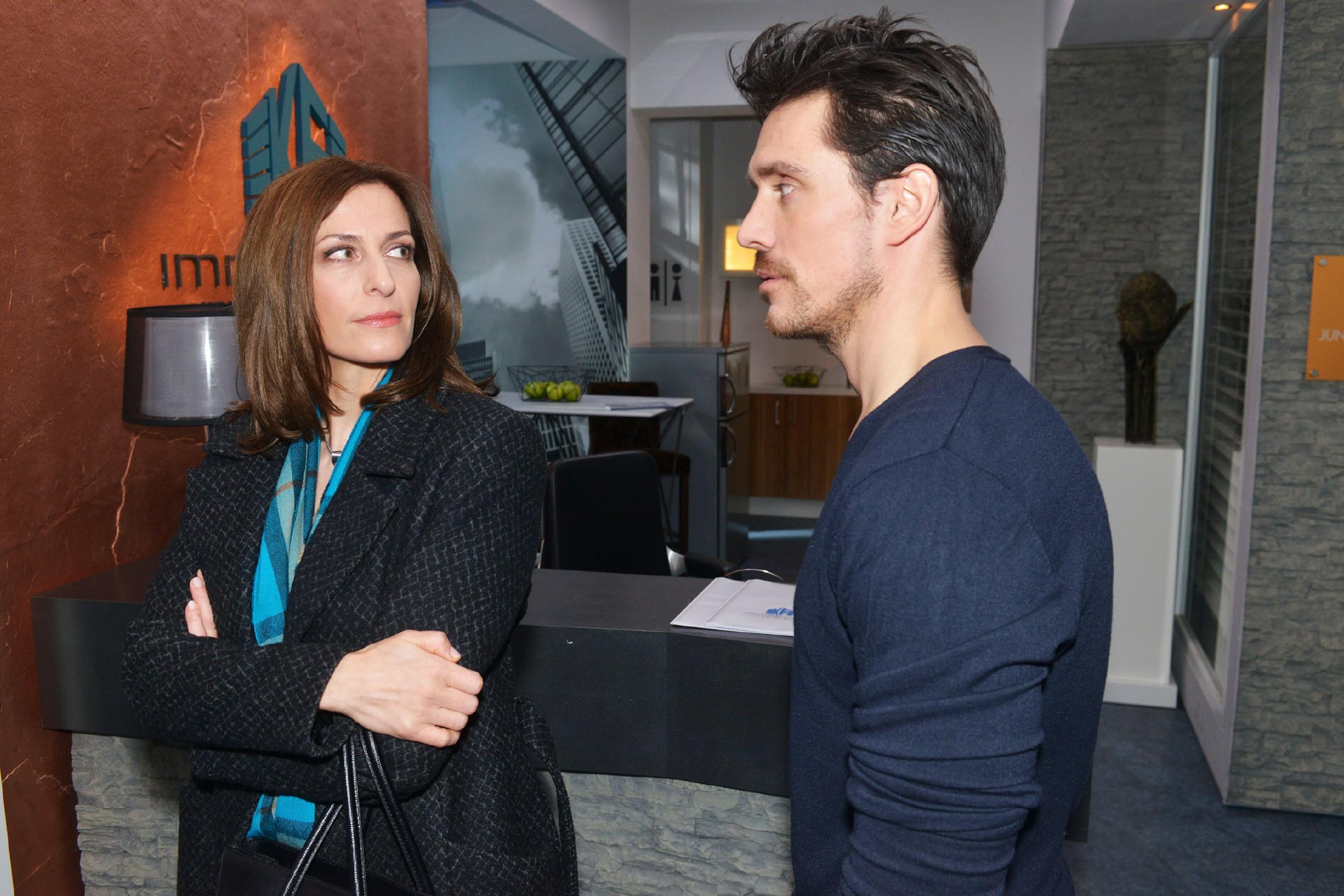 Als für Katrin (Ulrike Frank) klar wird, dass nur David (Philipp Christopher) der anonyme Tippgeber sein kann, beschließt sie auf Plan B zurückzugreifen, um David endlich loszuwerden... (Quelle: RTL / Rolf Baumgartner)
