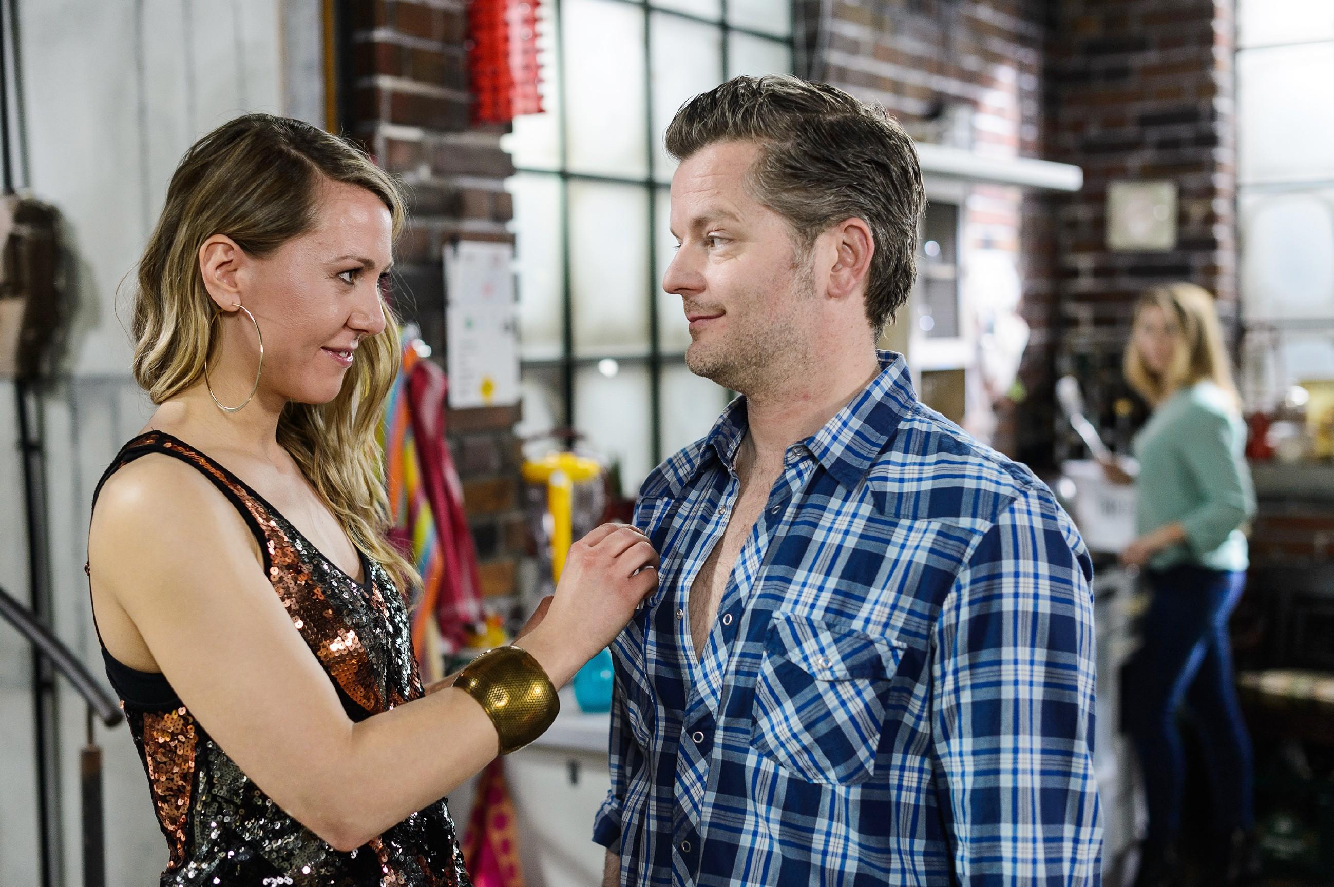 Diana (Tanja Szewczenko, r.) ist tief getroffen, als sie erkennt, dass Ingo (André Dietz) die Nacht mit Carla (Christine Smuda) verbracht hat. (Quelle: RTL / Willi Weber)