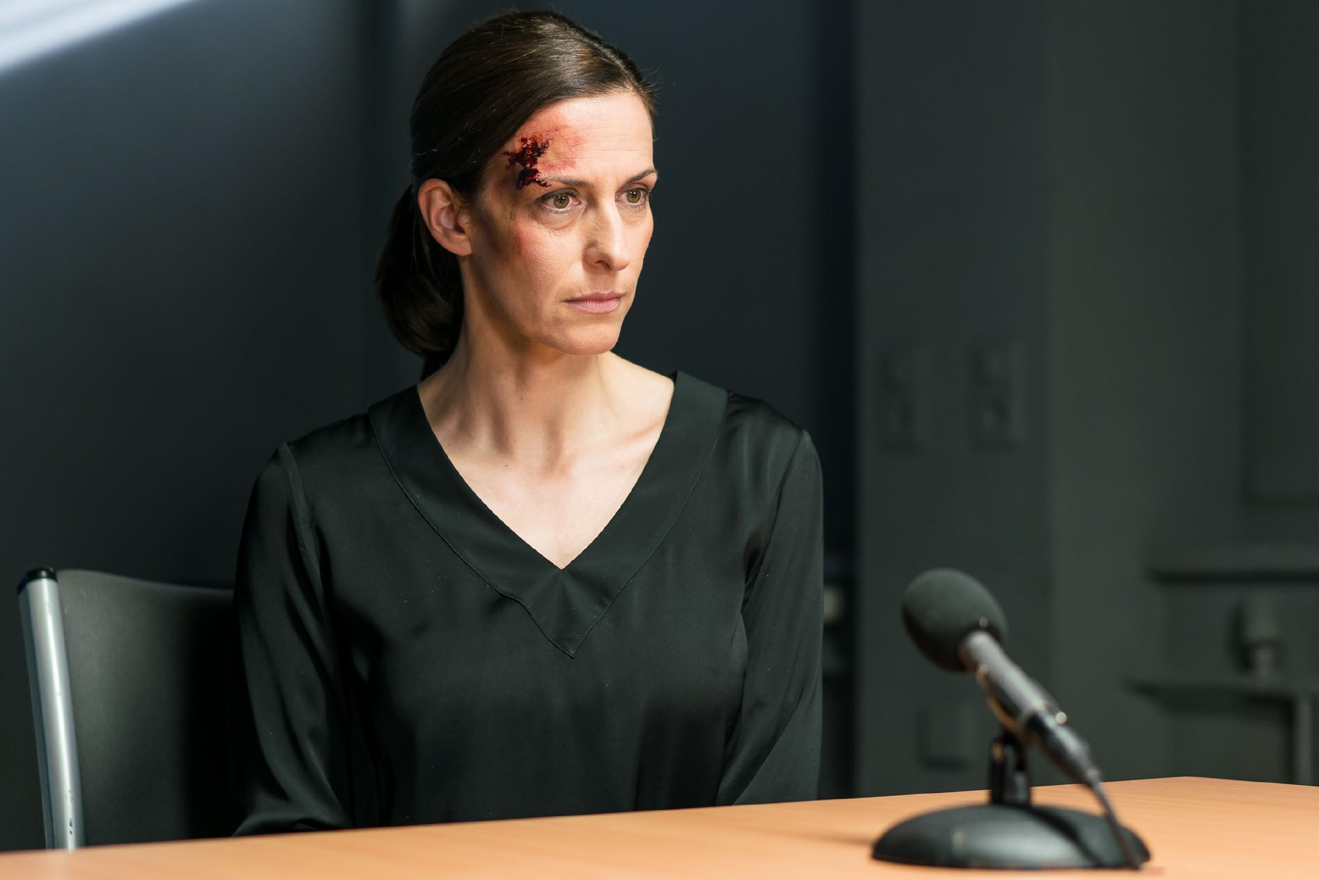 Katrin (Ulrike Frank) muss geschockt erkennen, dass Maren Gerners Plan mit ihrem Geständnis durchkreuzt hat. (Quelle: RTL / Sebastian Geyer)
