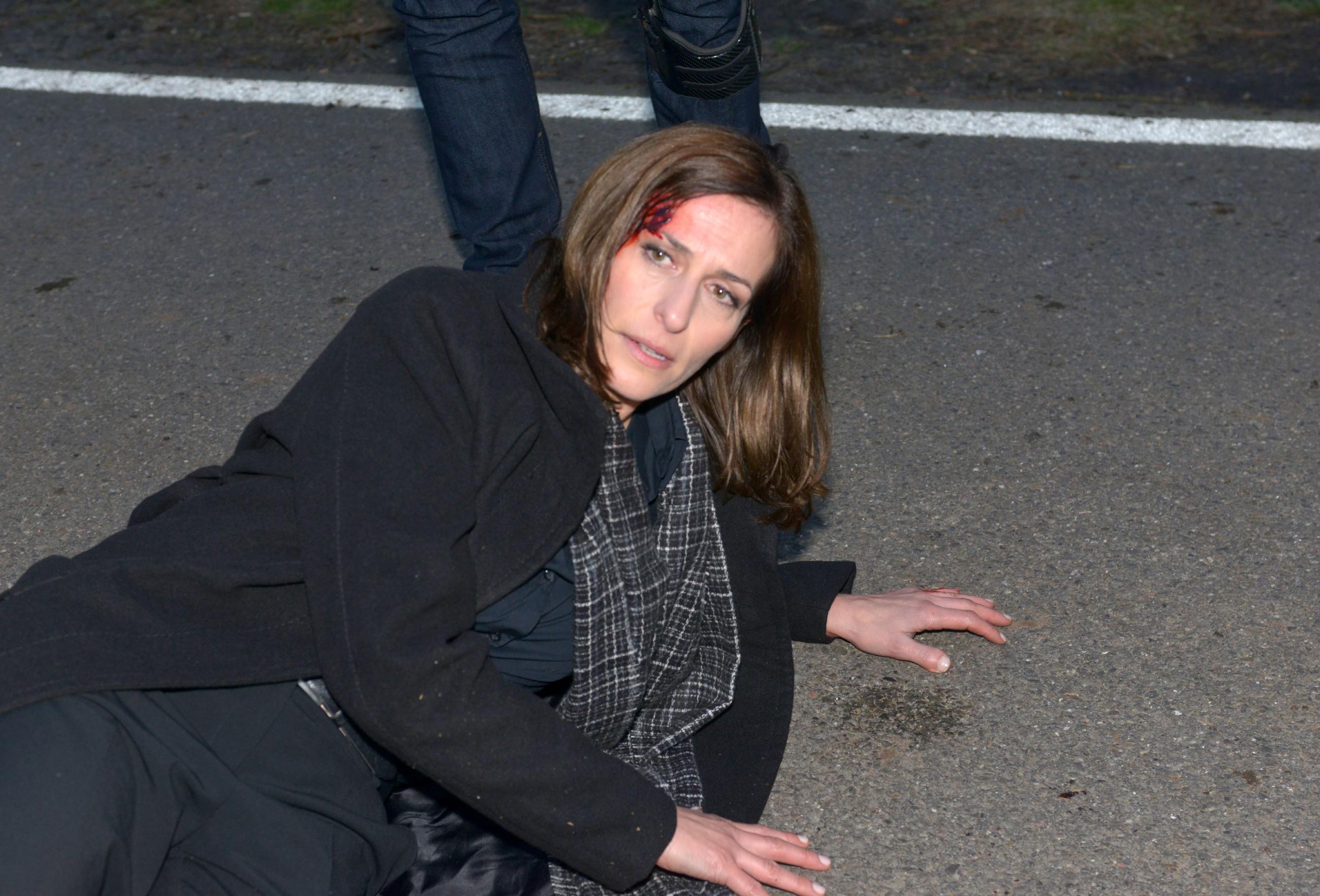 Katrin (Ulrike Frank) hat alles getan, um Jasmin die weitere Flucht zu ermöglichen... (Quelle: RTL / Rolf Baumgartner)