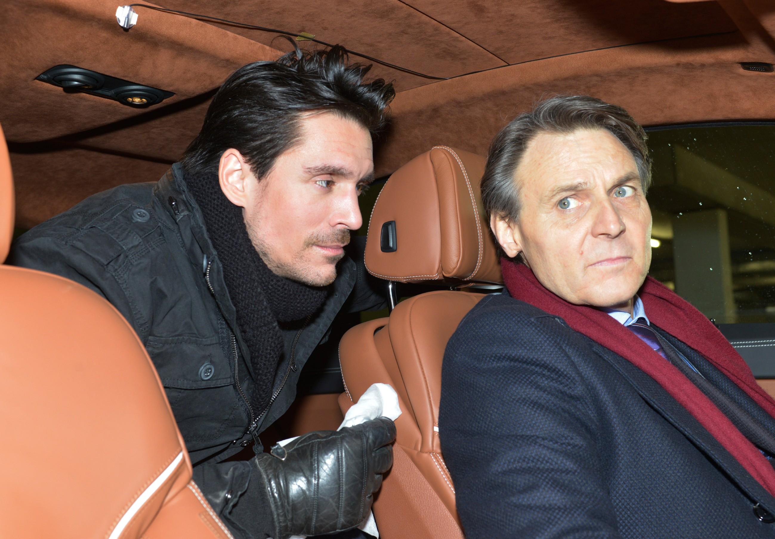 David (Philipp Christopher, l.) gelingt es, Gerners (Wolfgang Bahro) Pläne zu durchkreuzen. (Quelle: RTL / Rolf Baumgartner)