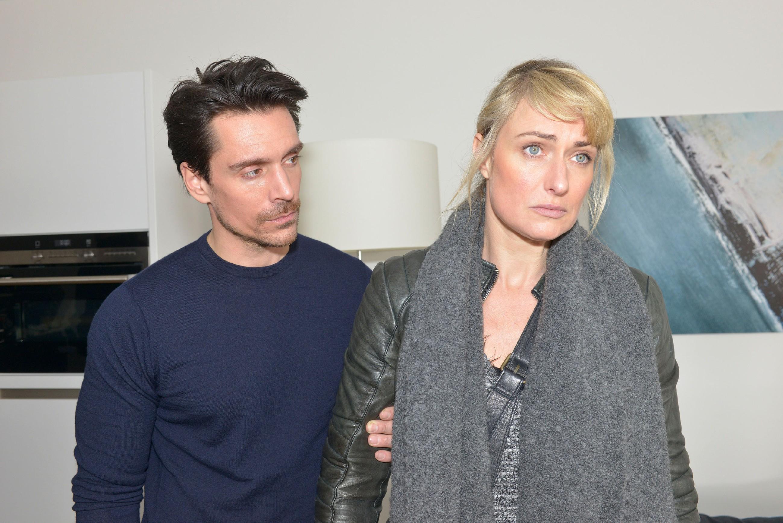 David (Philipp Christopher) gerät unter Druck, als er Maren (Eva Mona Rodekirchen) nicht von ihrem Vorhaben abbringen kann, sich der Polizei zu stellen. (Quelle: RTL / Rolf Baumgartner)