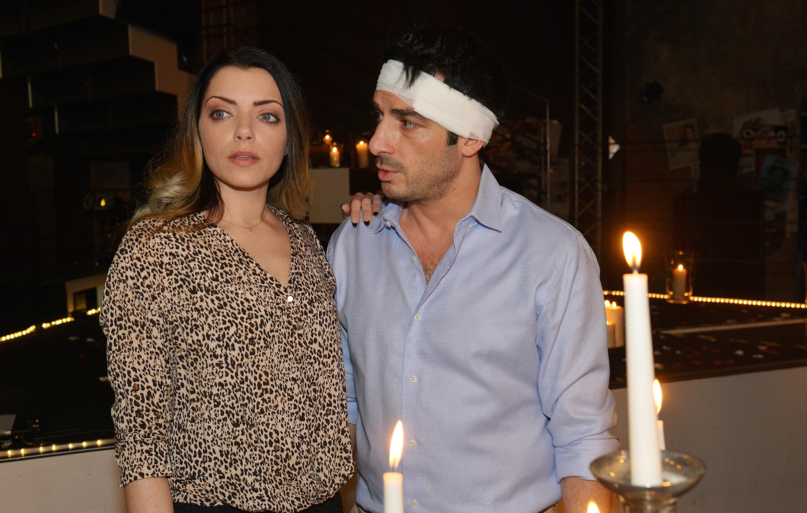 Tayfun (Tayfun Baydar) versucht Emily (Anne Menden) zu zeigen, wie wichtig sie für ihn ist. (Quelle: RTL / Rolf Baumgartner)