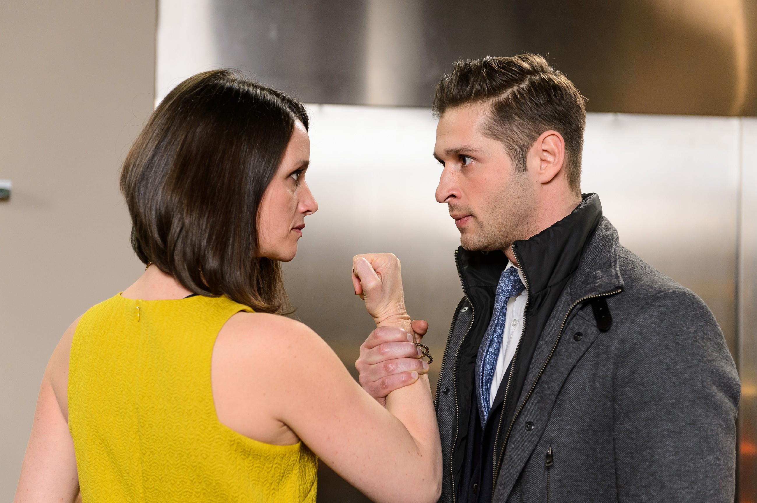Jenny (Kaja Schmidt-Tychsen) und Deniz (Igor Dolgatschew) werden zu neuen Lieblingsfeinden... (Quelle: RTL / Willi Weber)
