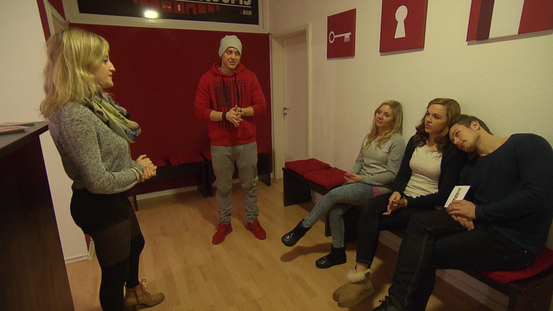Kevin beschließt, die WG mit einem Tandem-Ausflug zu überraschen. (Quelle: RTL 2)