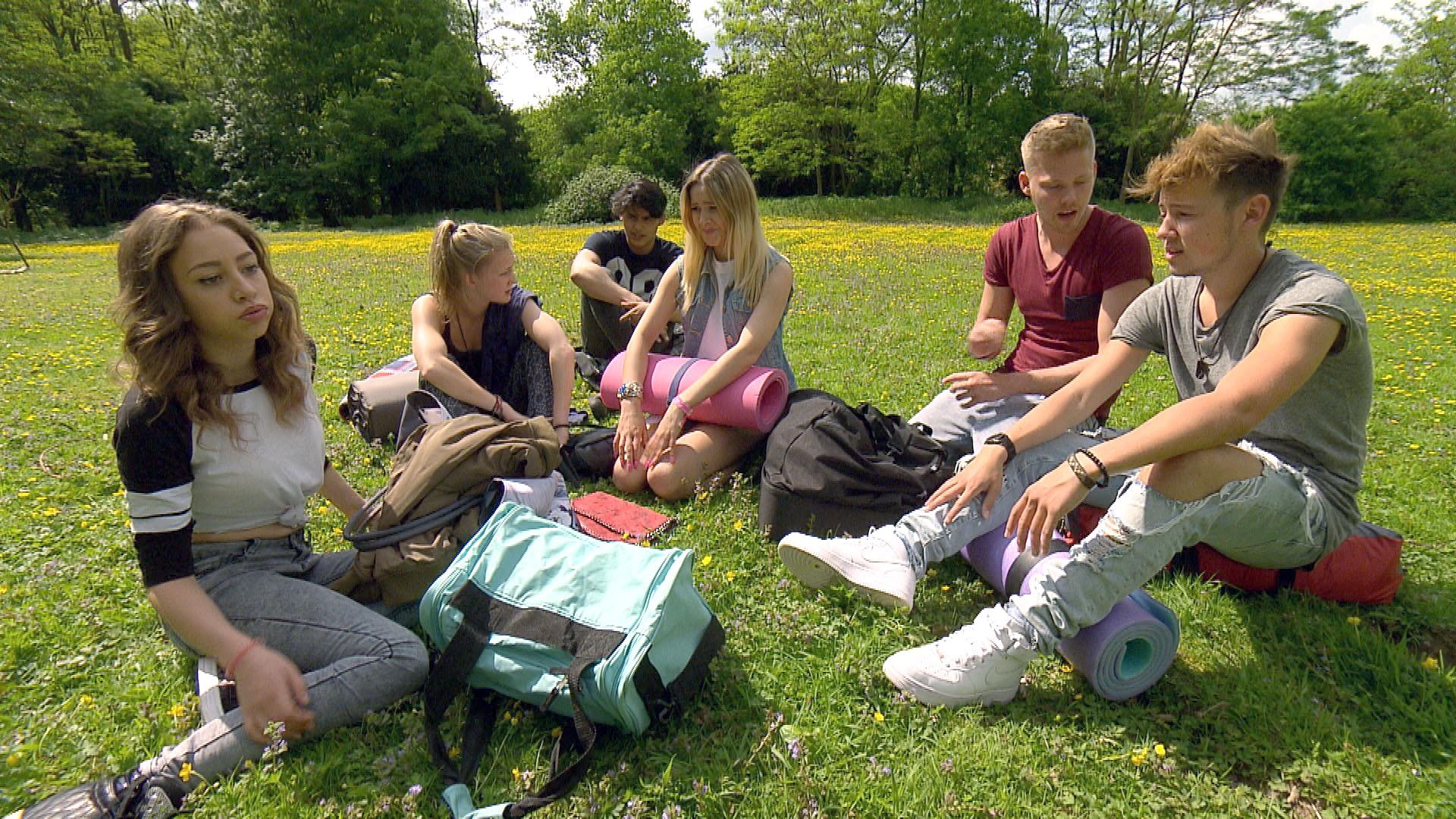 v.l.n.r.: Elli, Lotte, Lina, Yanick, Paul, Rafa (Quelle: RTL 2)