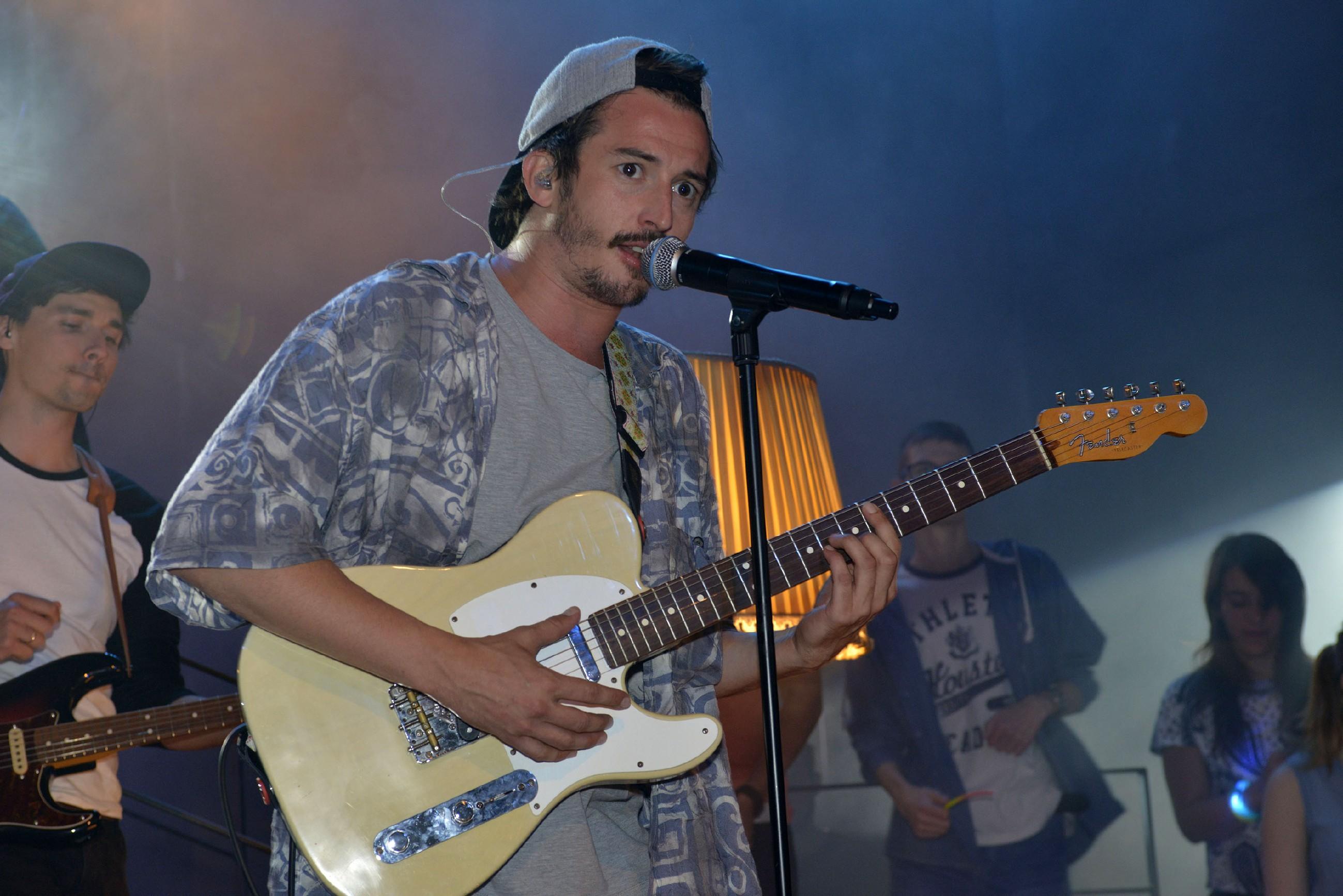 Der neuseeländische Singer-Songwriter Graham Candy gibt ein Konzert im Mauerwerk. (Quelle: RTL / Rolf Baumgartner)