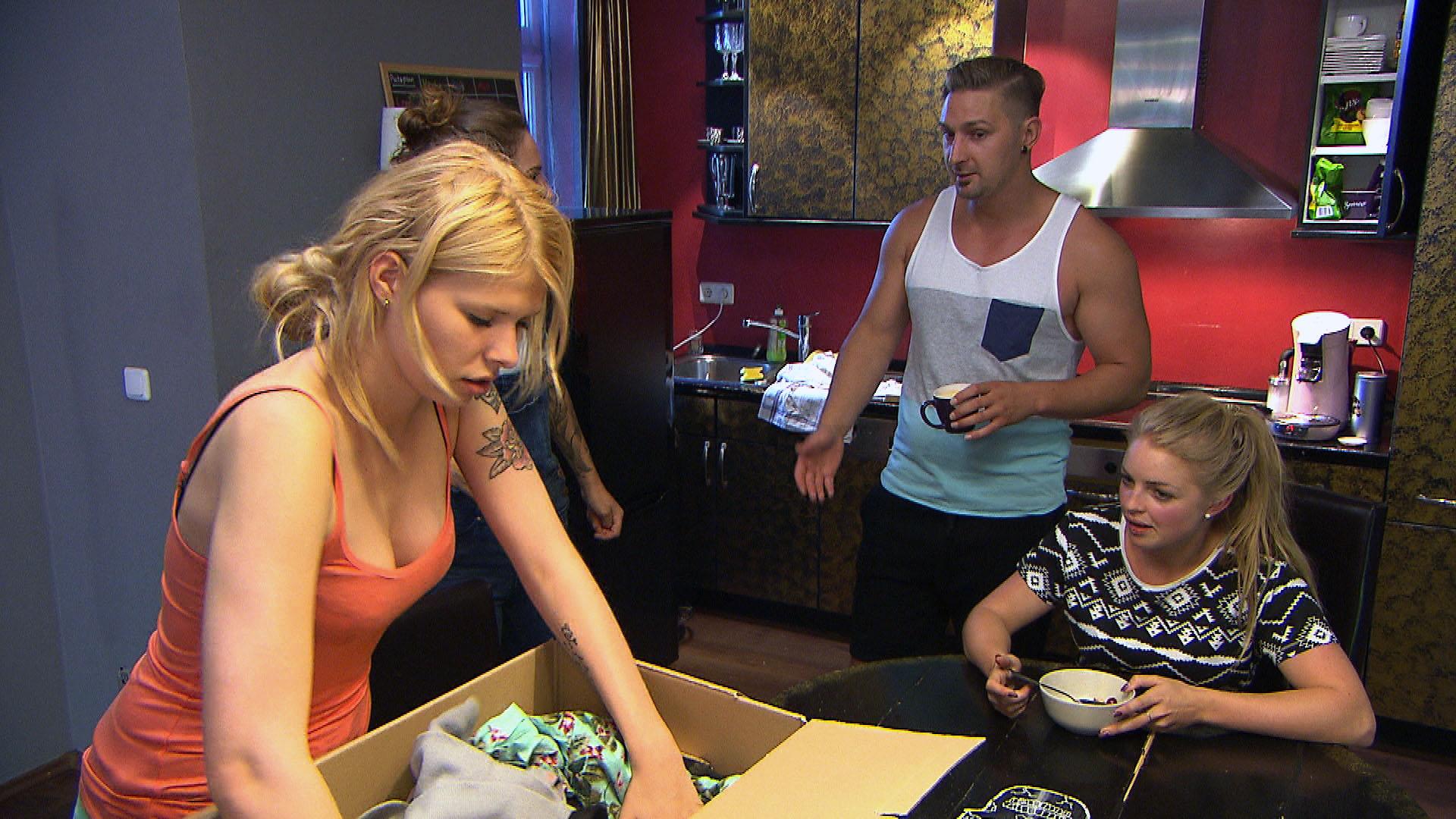 Nina,li. Leon,Mi. Miri,re. (Quelle: RTL 2)