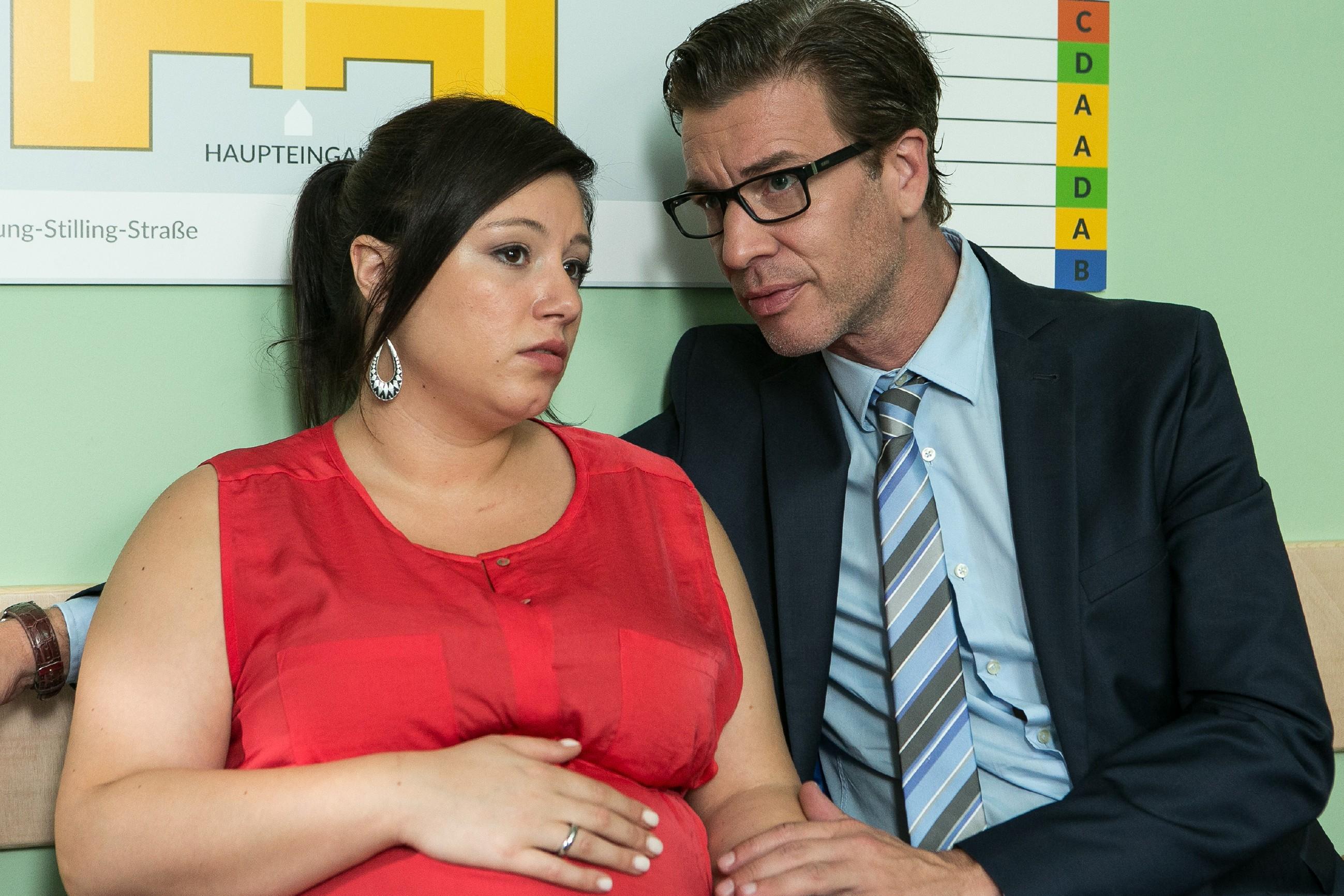 Christoph (Lars Korten) kein Verständnis dafür, dass sich Leo trotz seiner Bewährung so verantwortungslos benimmt, doch Vanessa (Julia Augustin) bringt ihn zum Nachdenken... (Quelle:RTL / Kai Schulz)