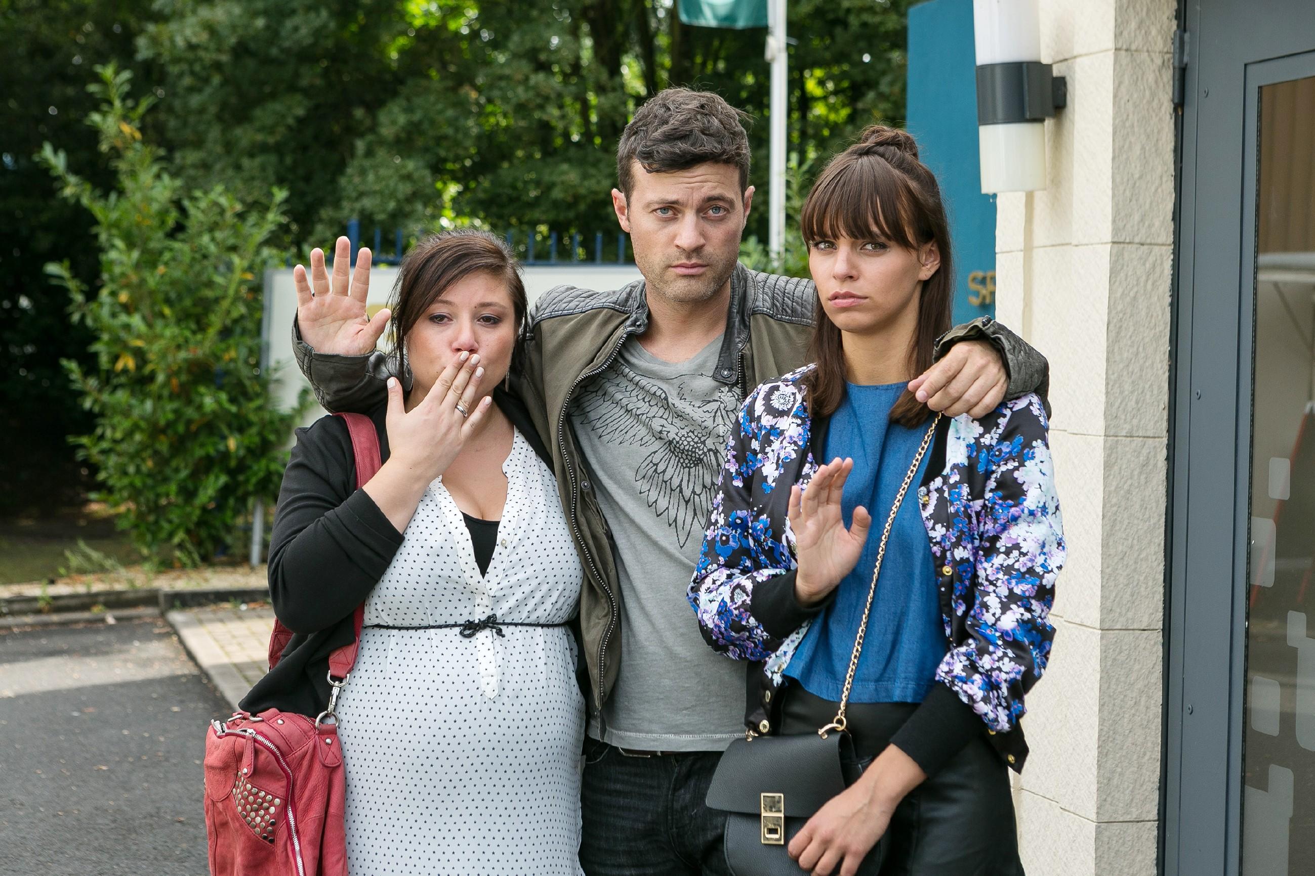 Vanessa (Julia Augustin, l.), Ben (Jörg Rohde) und Michelle (Franziska Benz) verabschieden sich von Christoph und Carmen, die nach Russland reisen, um Richard aus dem Gefängnis zu befreien. (Quelle: RTL / Kai Schulz)