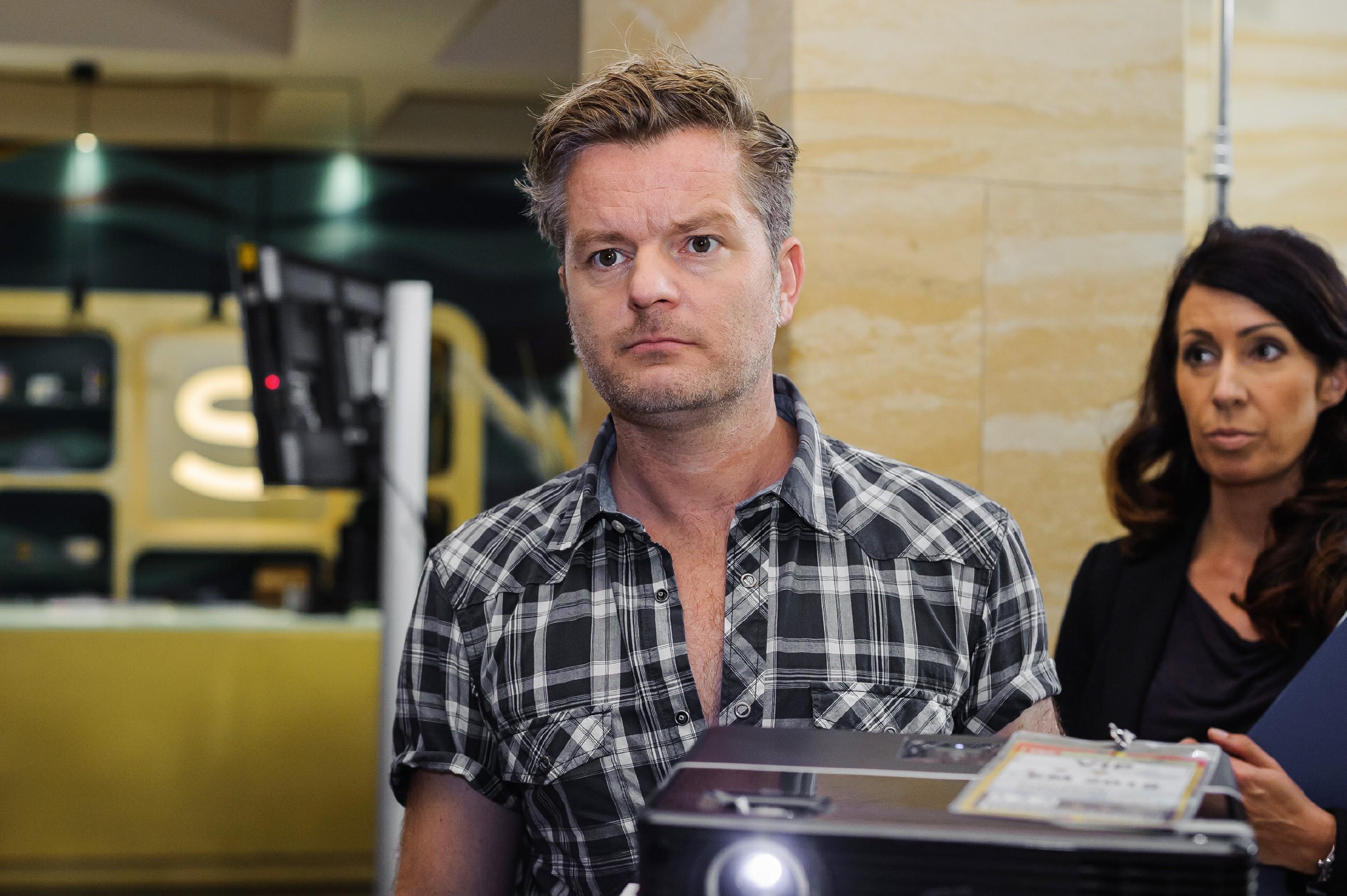 Ingo (André Dietz) kann nicht verhindern, dass Diana in aller Öffentlichkeit von seinen Gefühlen für sie erfährt. (Quelle: RTL / Julia Feldhagen)