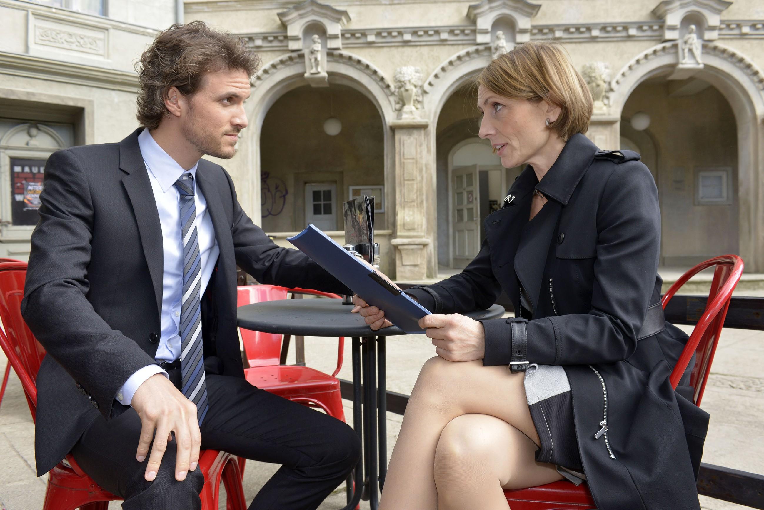 Felix (Thaddäus Meilinger) kann nicht begreifen, dass Rosa (Joana Schümer) seinem Bruder Chris plötzlich Verständnis entgegenbringt.