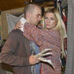 Chris (Eric Stehfest) kommt nicht länger gegen seine Gefühle für Sunny (Valentina Pahde) an...
