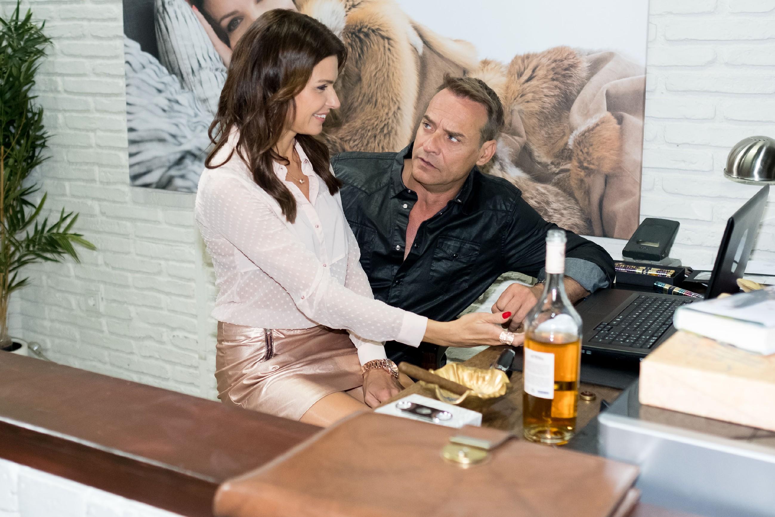 Als Rufus (Kai Noll) erfährt, dass Britta (Tabea Heynig) ihm mit unlauteren Mitteln helfen wollte, flippt er aus... (Quelle: RTL / Stefan Behrens)