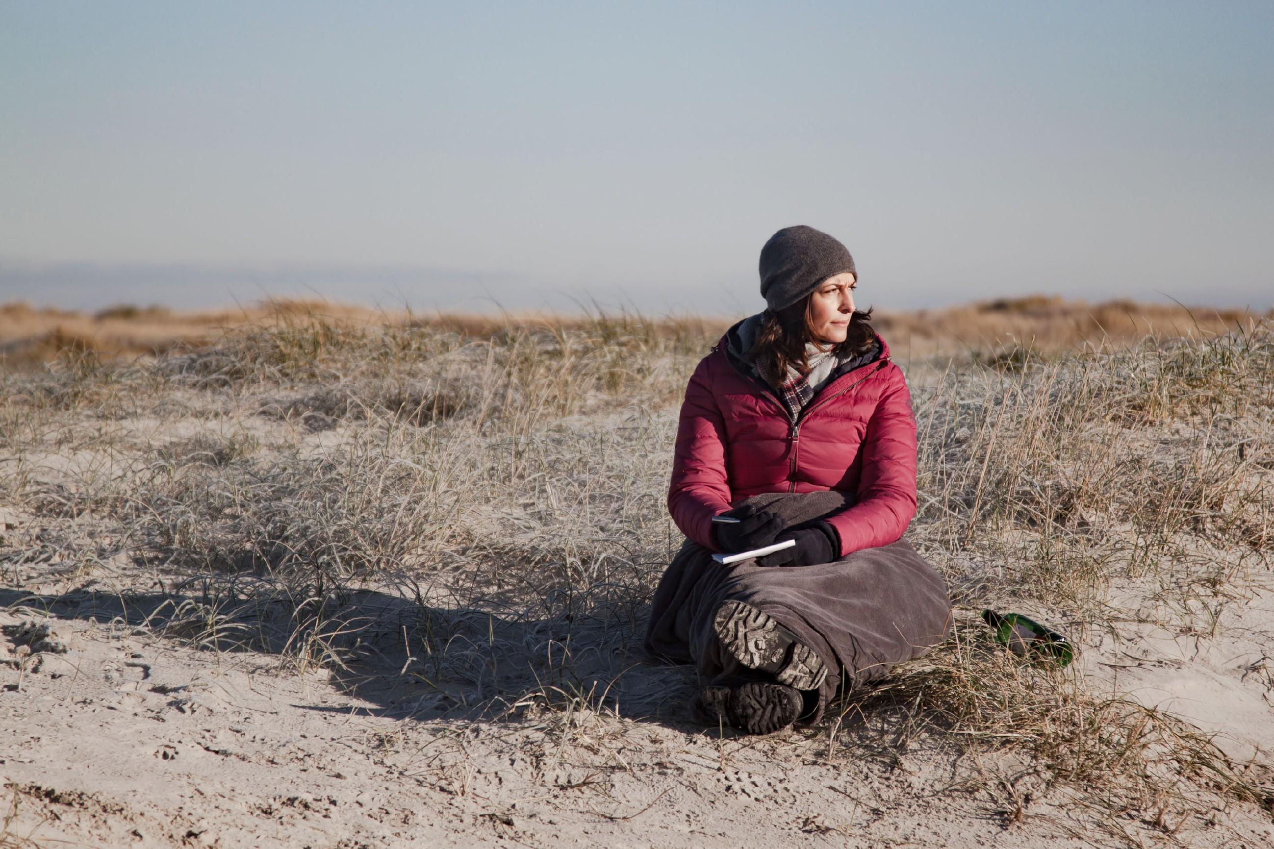Katrin (Ulrike Frank) und Till genießen die gemeinsame Zeit am Meer, doch ganz ausblenden kann Katrin ihre Sorge um Till nicht...(Quelle: RTL / Benjamin Kampehl)