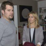 Sophie (Lea Marlen Woitack) vermisst Leon (Daniel Fehlow) und sucht den Kontakt zu ihm. (Quelle: RTL / Rolf Baumgartner)