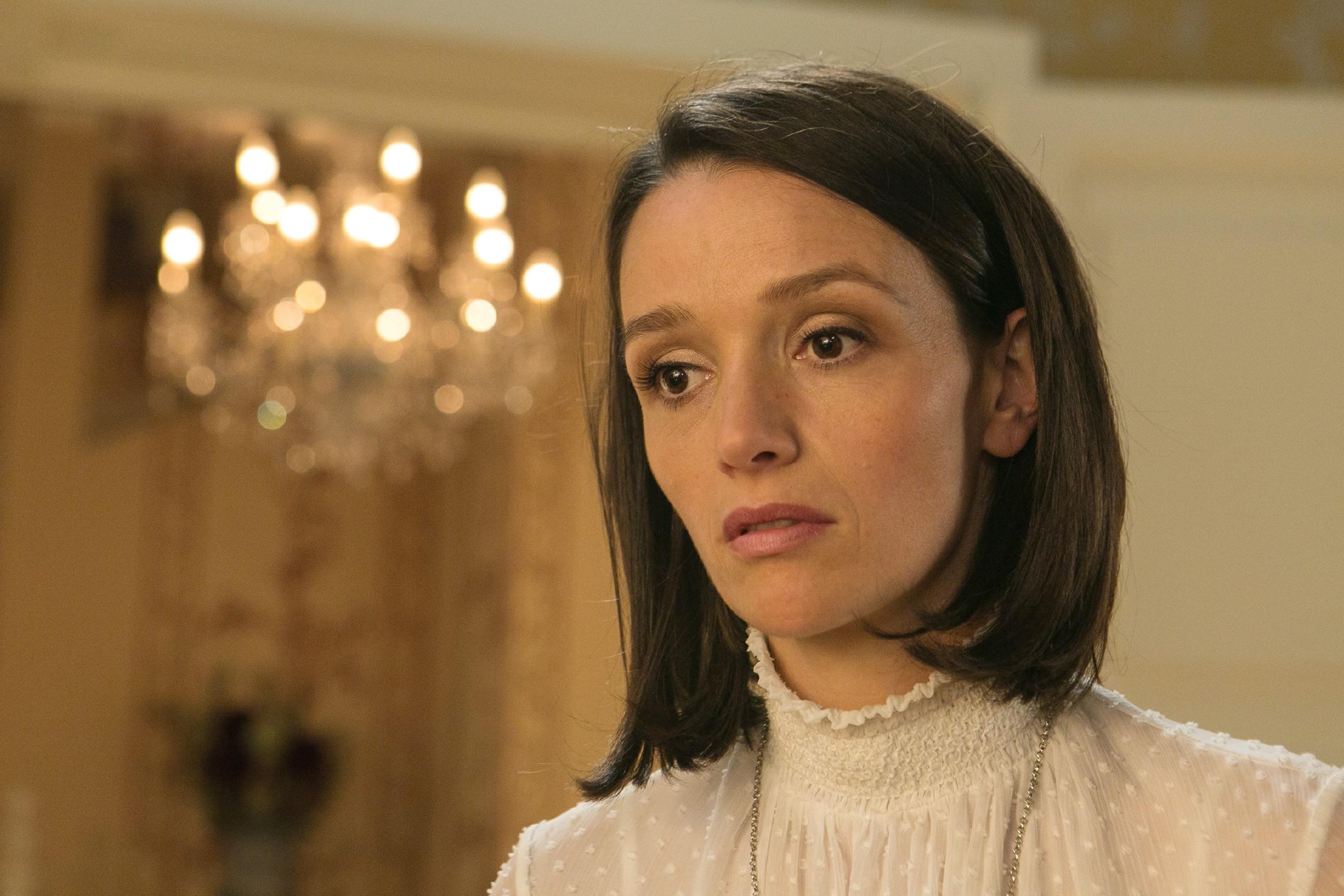 Jenny (Kaja Schmidt-Tychsen) kann sich nicht gegen ihre Gefühle für Deniz wehren. (Quelle: RTL / Kai Schulz)