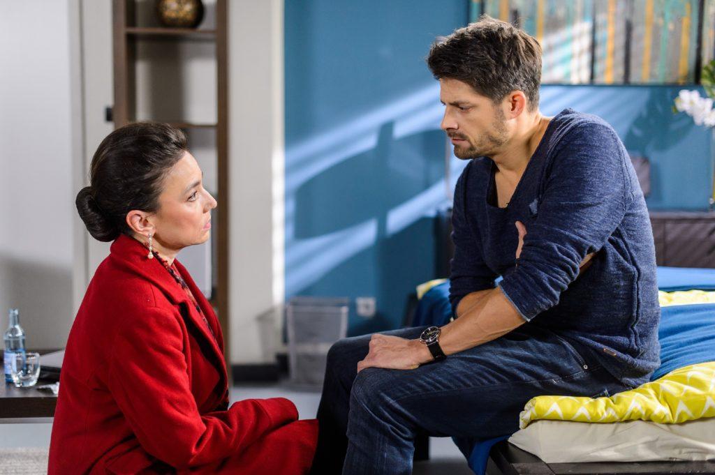 Vincent (Daniel Buder) will nicht akzeptieren, dass Simone (Tatjana Clasing) bei Michelle gescheitert ist: sie konnte ihre Nichte dazu bewegen, Vincent eine der Niere zu spenden.