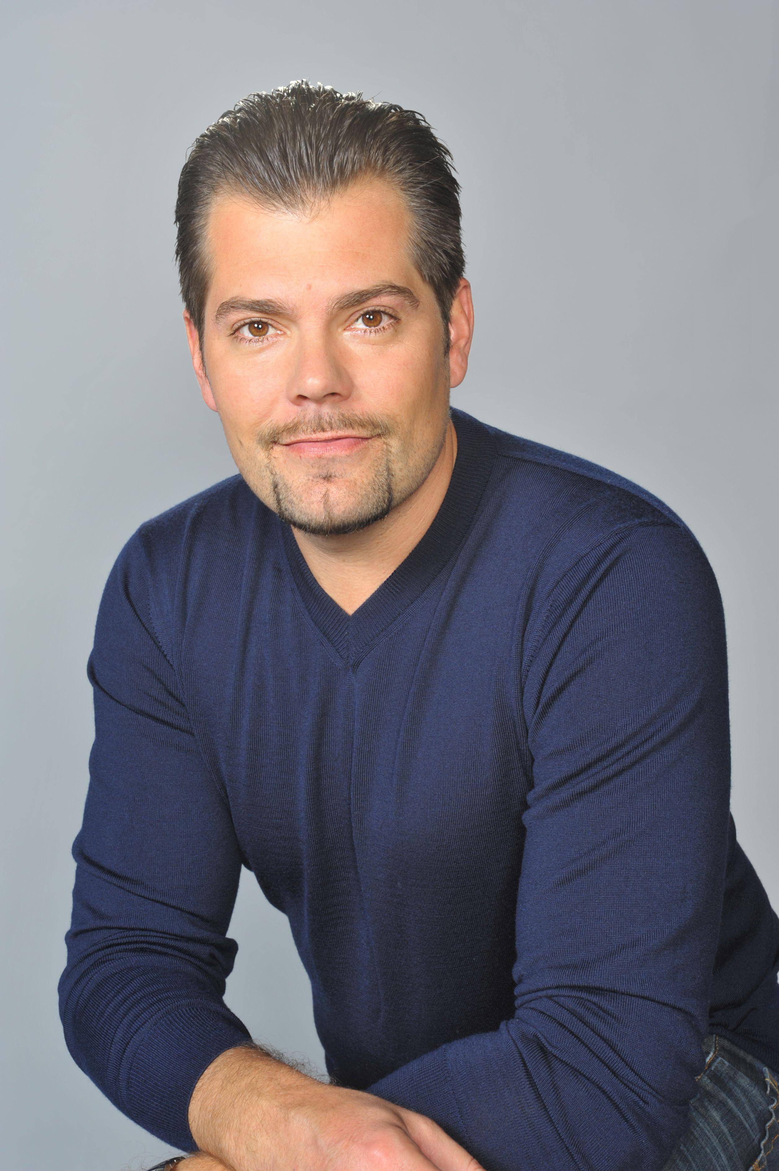 Daniel Fehlow spielt den Leon Moreno