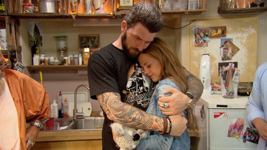 Anna verabschiedet sich von Alex...