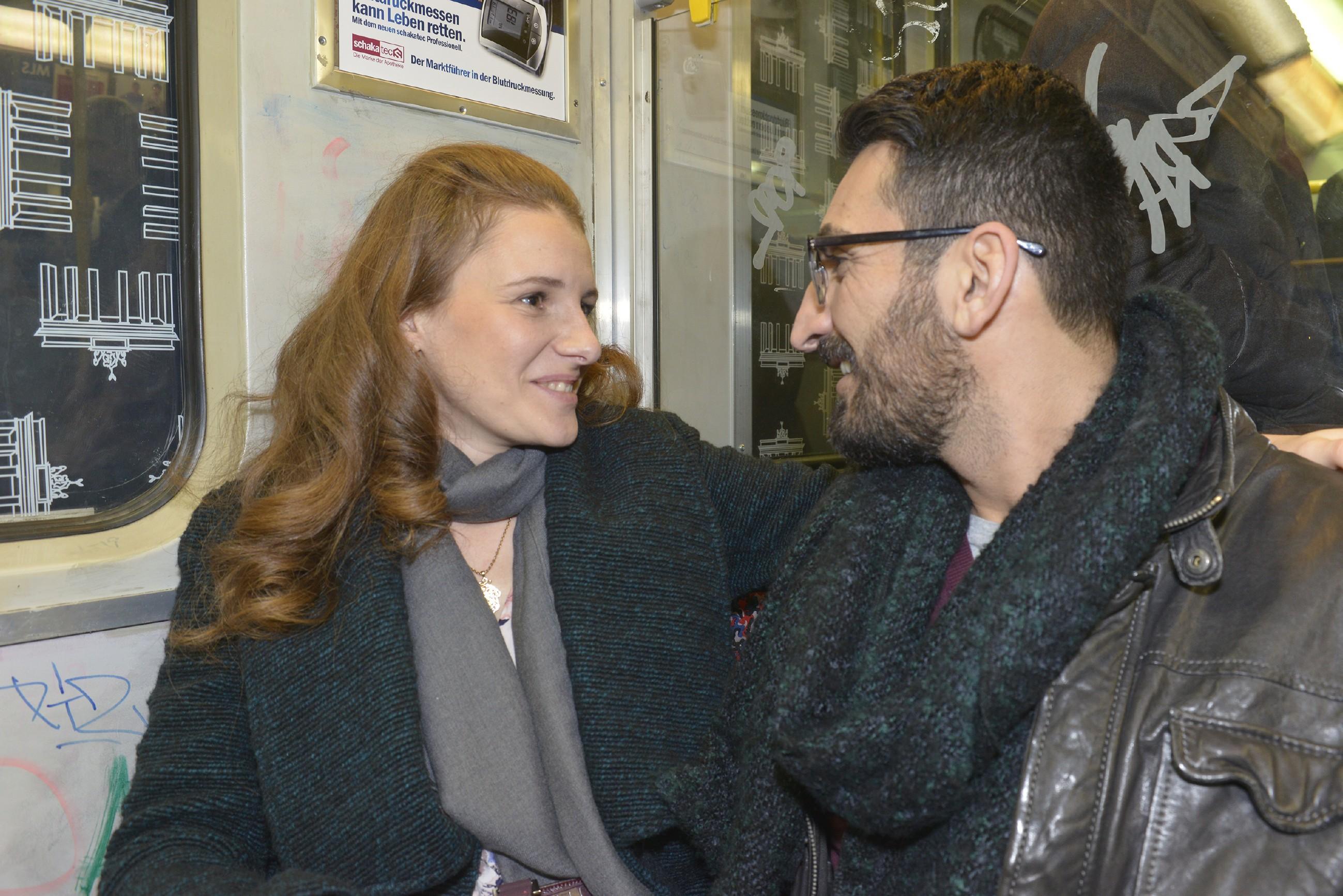 Wird Mesut (Mustafa Alin) den Mut aufbringen, Emma (Claudia Lorentz) die Joblüge zu gestehen? (Quelle: RTL / Rolf Baumgartner)