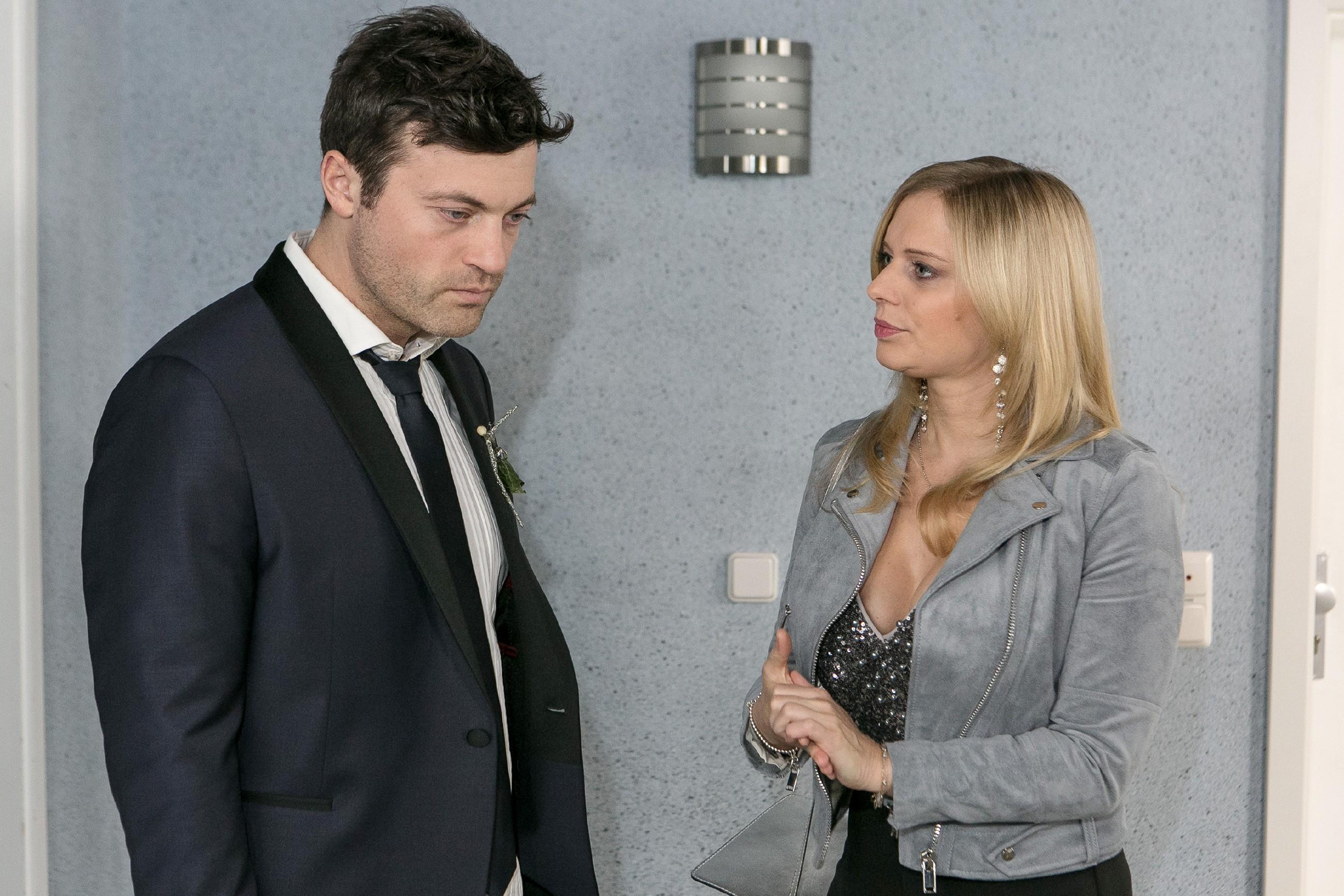 Lena (Juliette Greco) versucht Ben (Jörg Rohde) zu überzeugen, dass Carmen ihn aufrichtig liebt, doch Ben ist nicht sicher, was er glauben, geschweige denn tun soll.