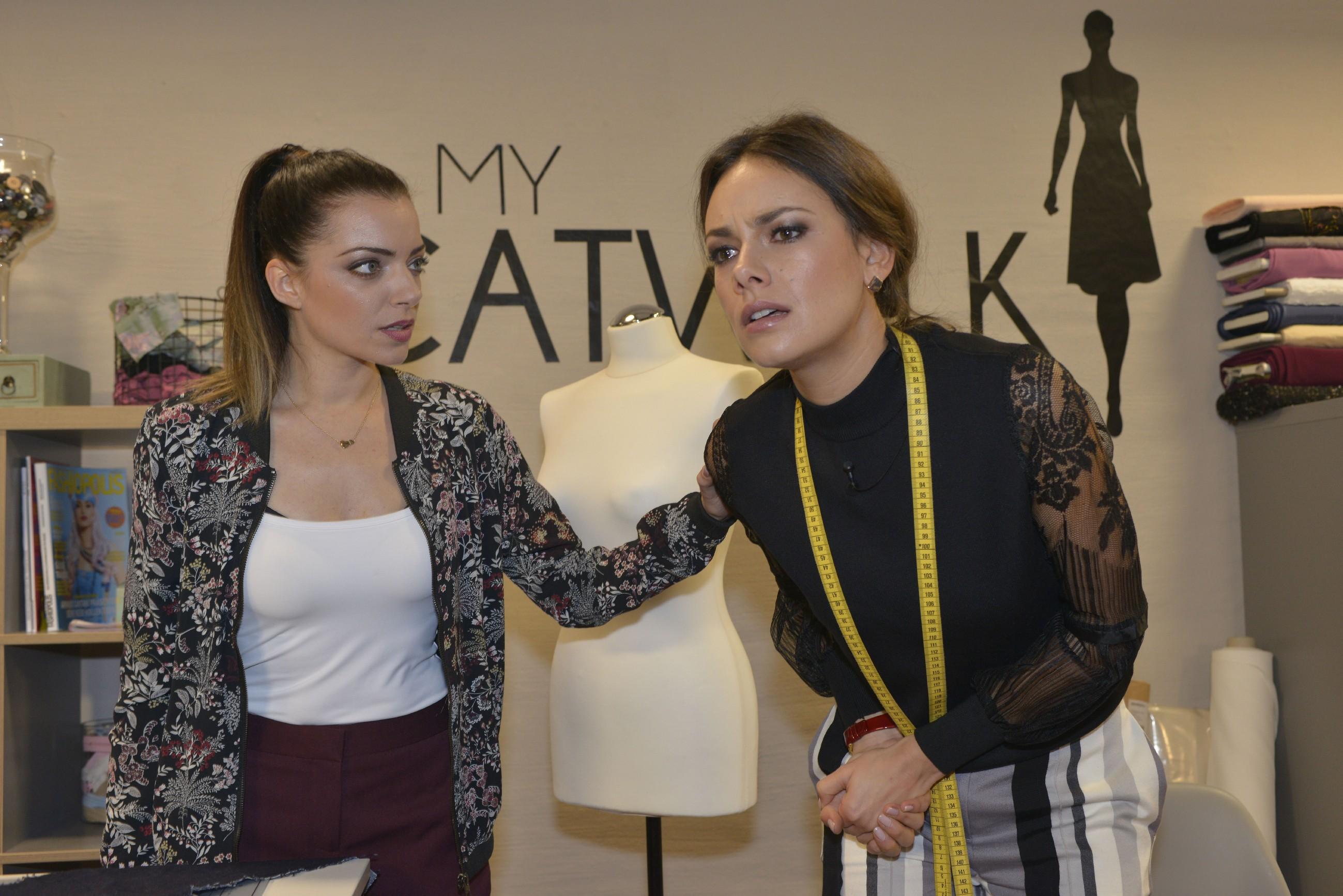 Als Emily (Anne Menden, l.) Jasmin (Janina Uhse) anstiftet, bei dem Designwettbewerb zu schummeln, kommt es zum Streit - mit schmerzhaften Folgen für Jasmin! (Quelle: RTL / Rolf Baumgartner)