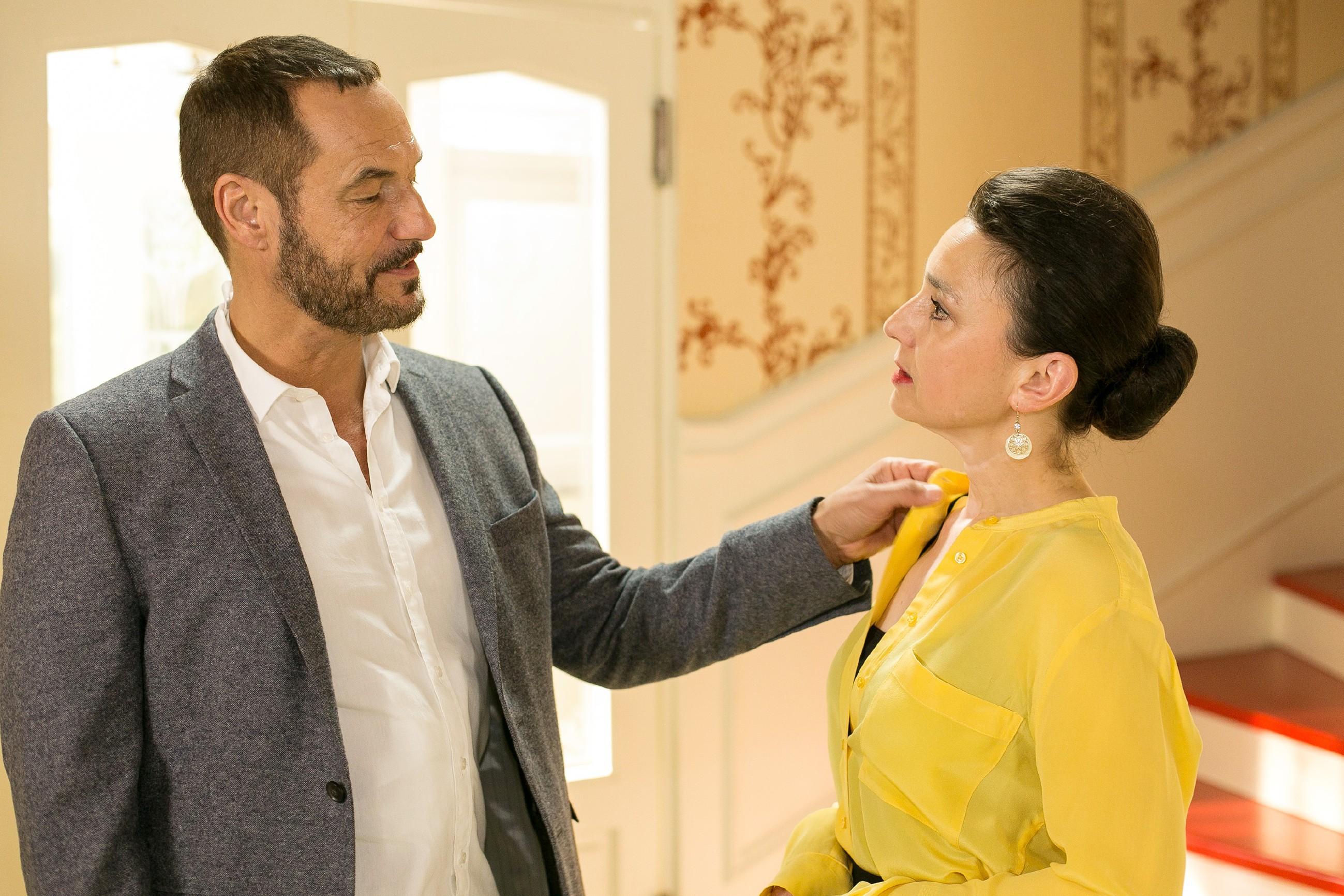 Richard (Silvan-Pierre Leirich) muss einsehen, dass es keinen Sinn mehr macht, um seine Ehe mit Simone (Tatjana Clasing) zu kämpfen. (Quelle: Foto: RTL / Kai Schulz)
