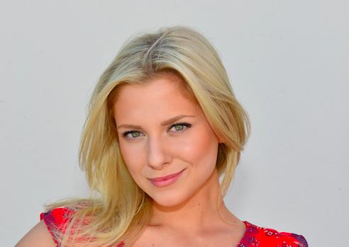 Valentina Pahde spielt Sunny Richter (© RTL / Rolf Baumgartner)