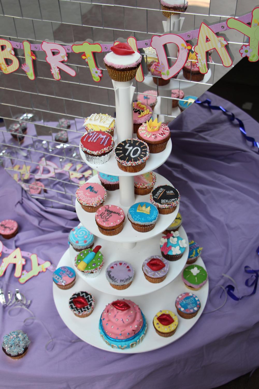 Unter-Uns-Mimi-Fiedler-40-Geburtstag-Torte