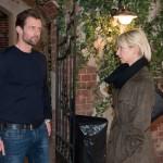 Ute (Isabell Hertel) ist entschlossen, ihrer Entscheidung, Henning (Benjamin Kiss) noch eine Chance zu geben, Taten folgen zu lassen und lädt ihn zum Kaffee ein. (Quelle: RTL / Stefan Behrens)